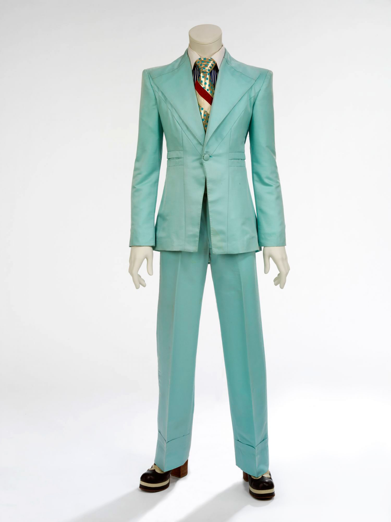 Ice-blue-suit,-1972.-Designed-by-Freddie-Burretti-for-the-'Life-on-Mars'-video