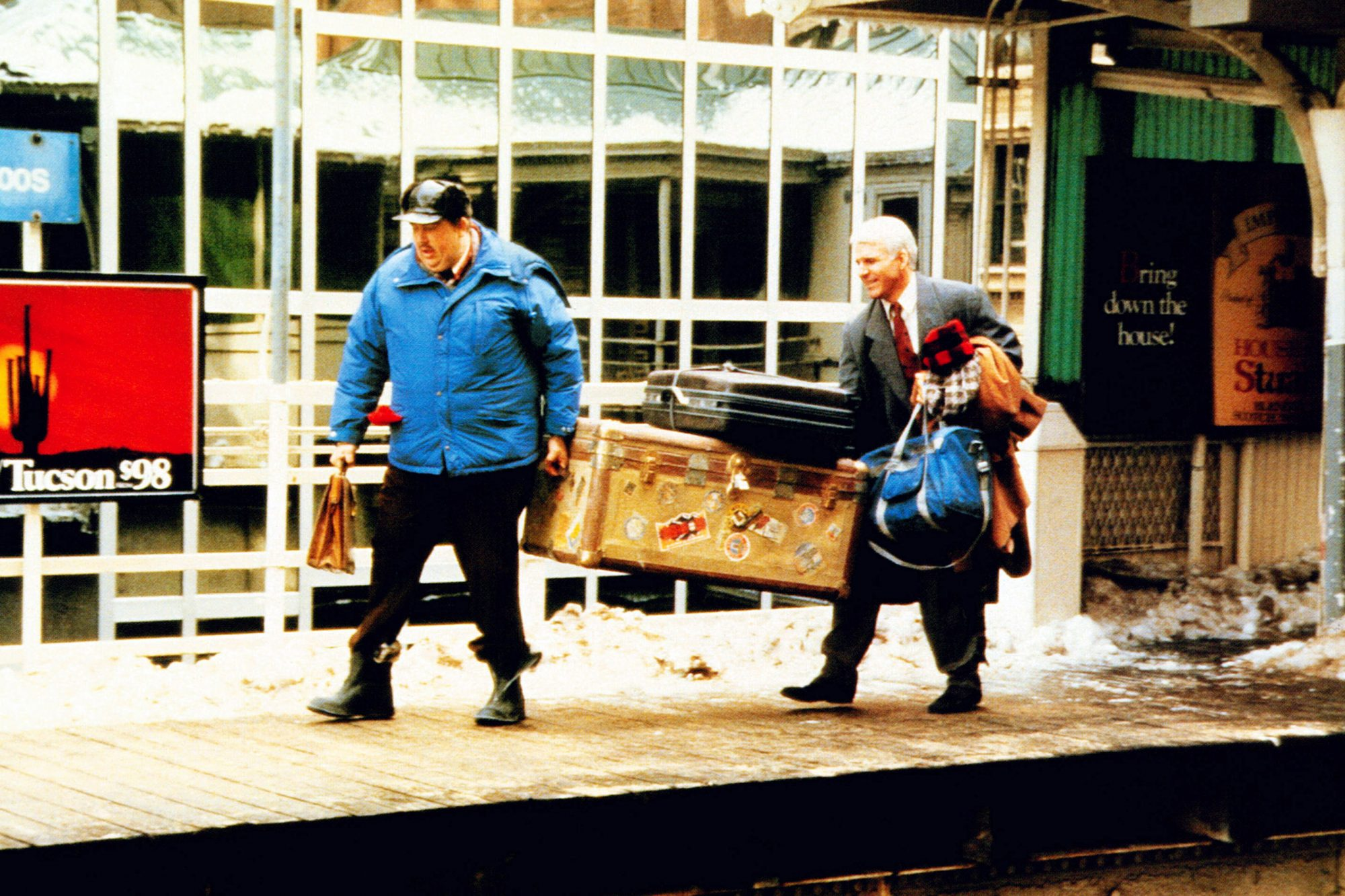 PLANES, TRAINS AND AUTOMOBILES, from left: John Candy, Steve Martin, 1987, © Paramount/courtesy Ever