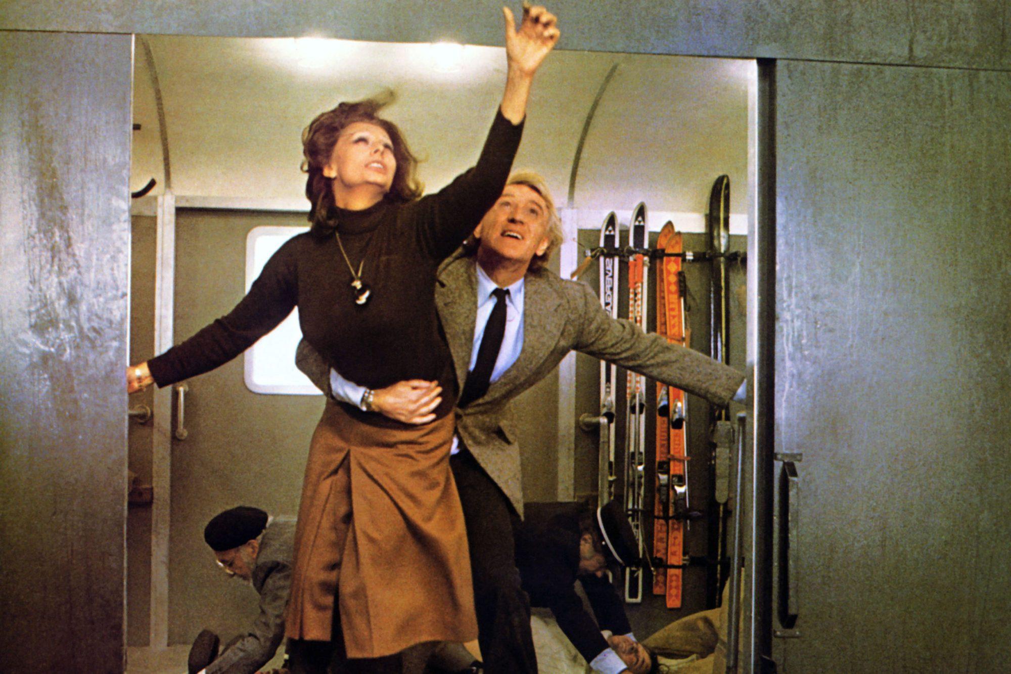 THE CASSANDRA CROSSING, fromleft: Sophia Loren, Richard Harris, 1976