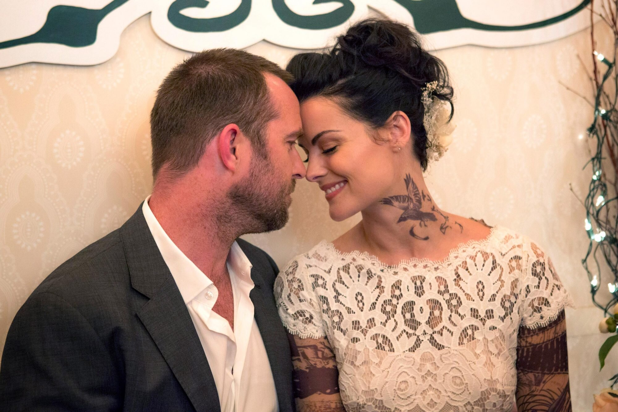 Blindspot Recap Season 3 Episode 4 Ew Com