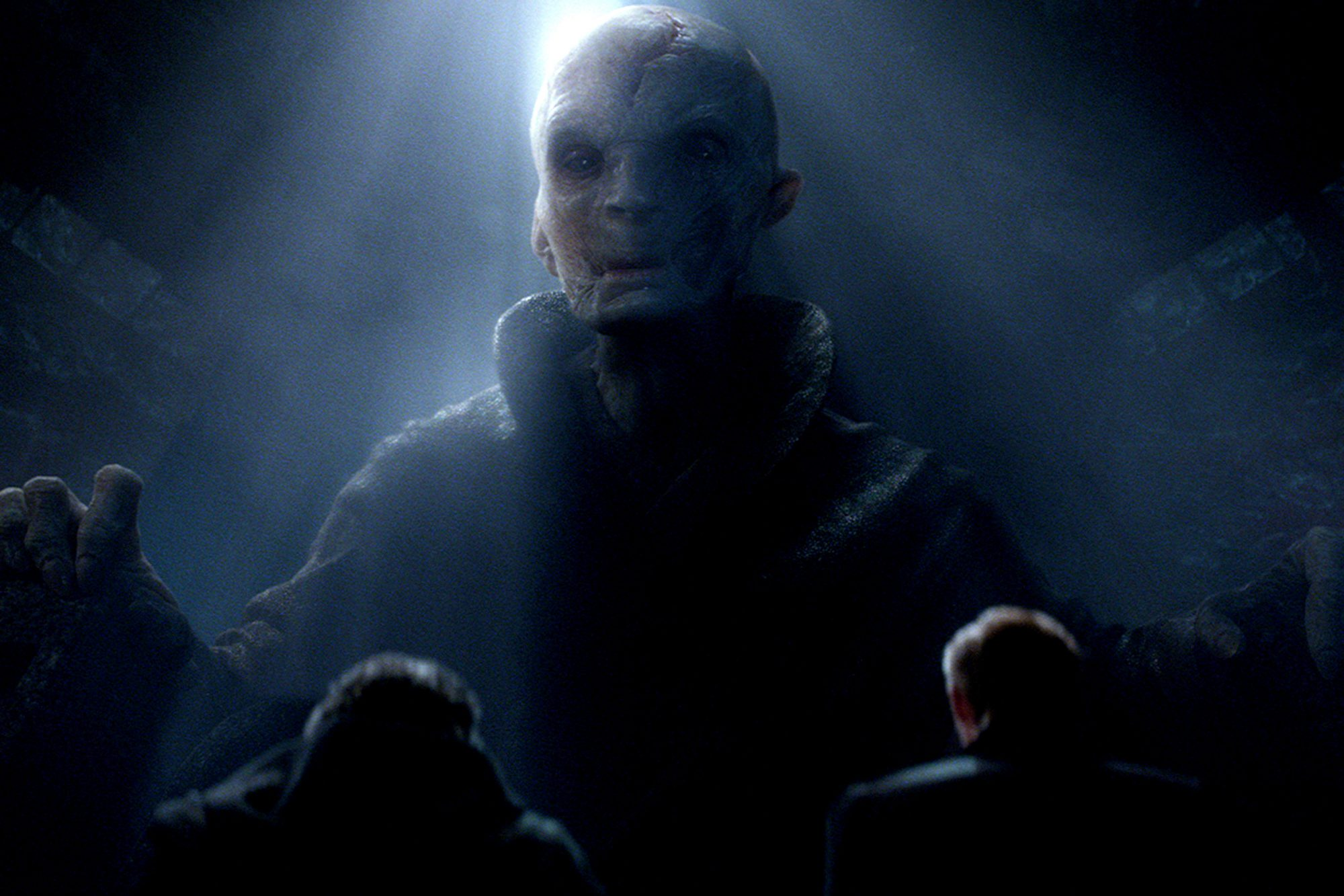 SUPREME-LEADER-SNOKE-IN-STAR-WARS--THE-FORCE-AWAKENS