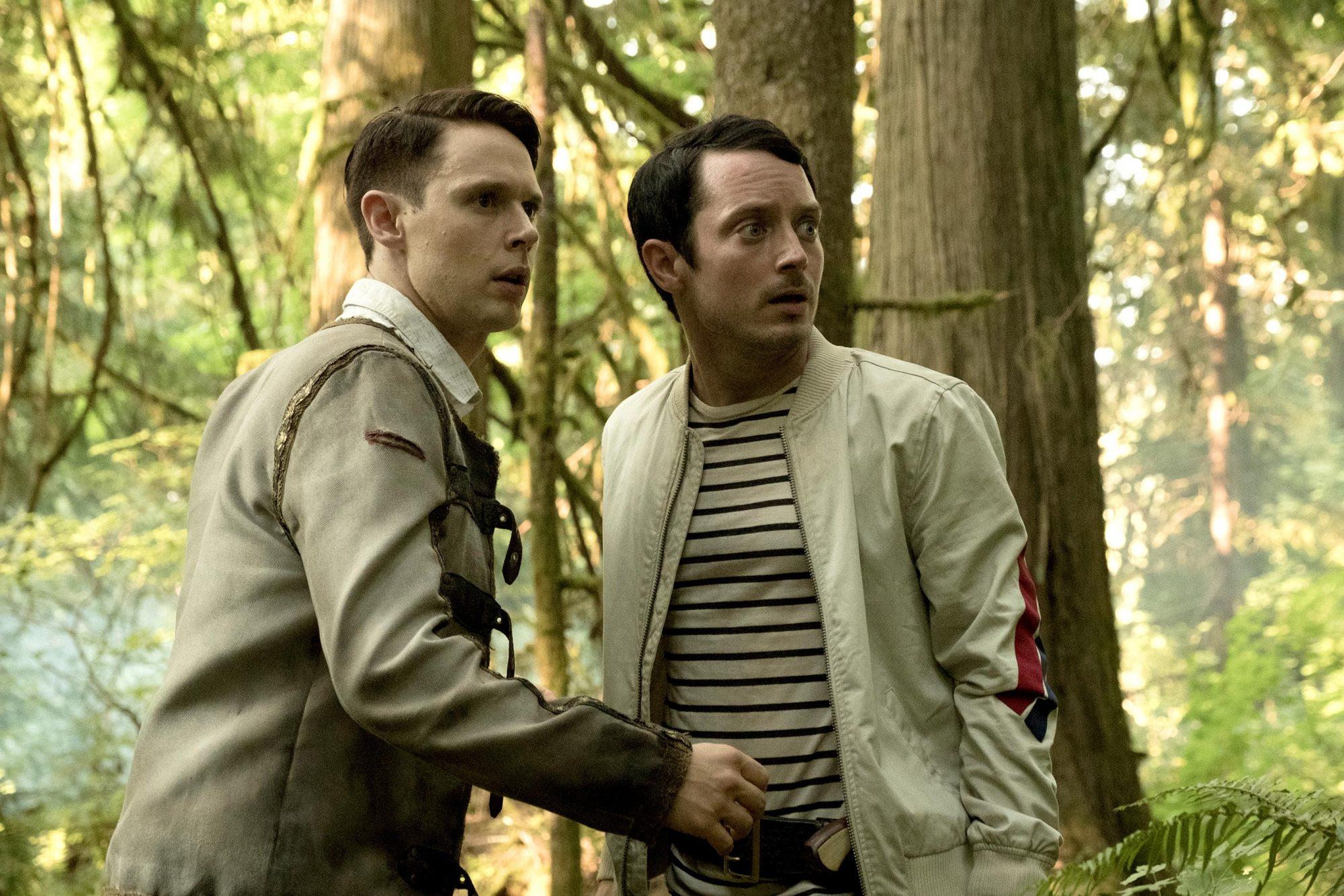 Dirk Gently (Samuel Barnett), Todd Brotzman (Elijah Wood)