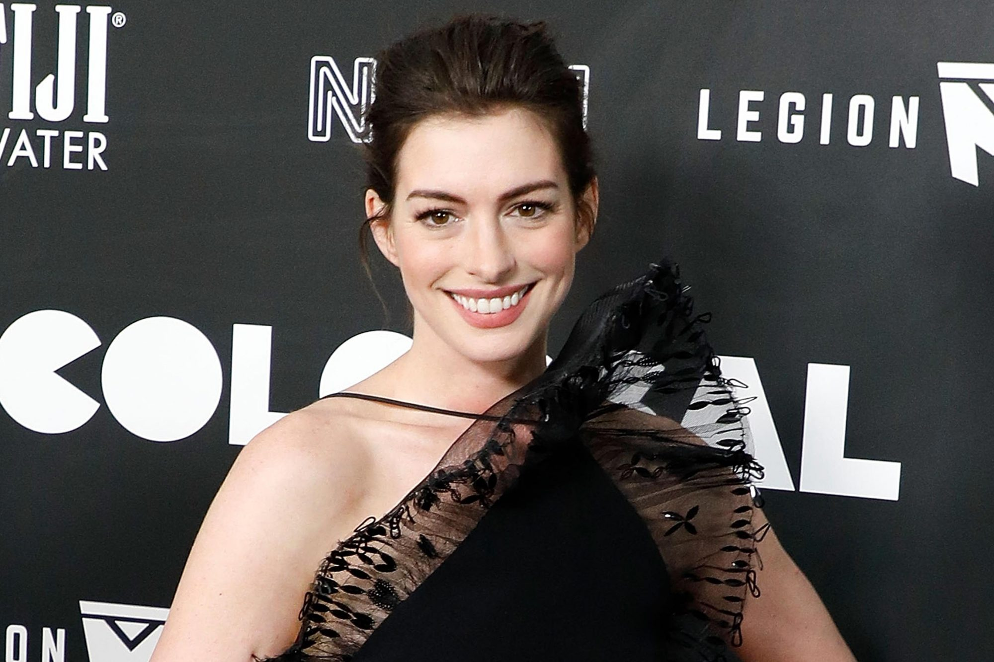 "NEW YORK, NY - MARCH 28: Actress Anne Hathaway attends the premiere of ""Colossal"" at AMC Lincoln Square Theater on March 28, 2017 in New York City. (Photo by Taylor Hill/Getty Images)"