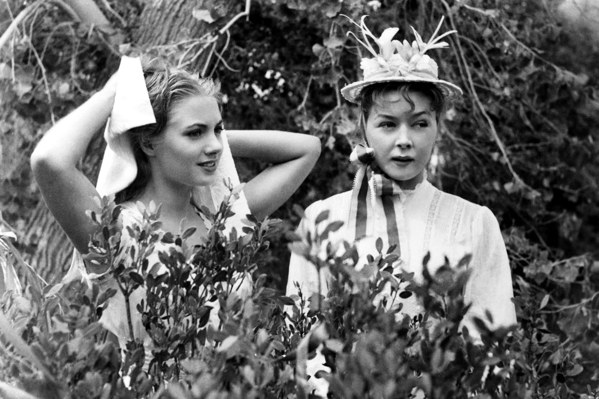 OKLAHOMA!, from left, Shirley Jones, Gloria Grahame, 1955, ©20th Century Fox Film Corporation, TM &