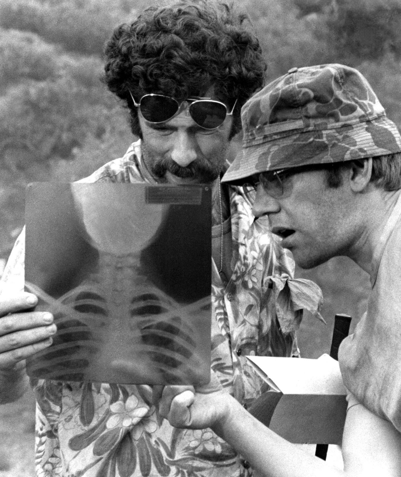 MASH, Elliott Gould, Donald Sutherland, 1970 TM and Copyright (c) 20th Century Fox Film Corp. All r