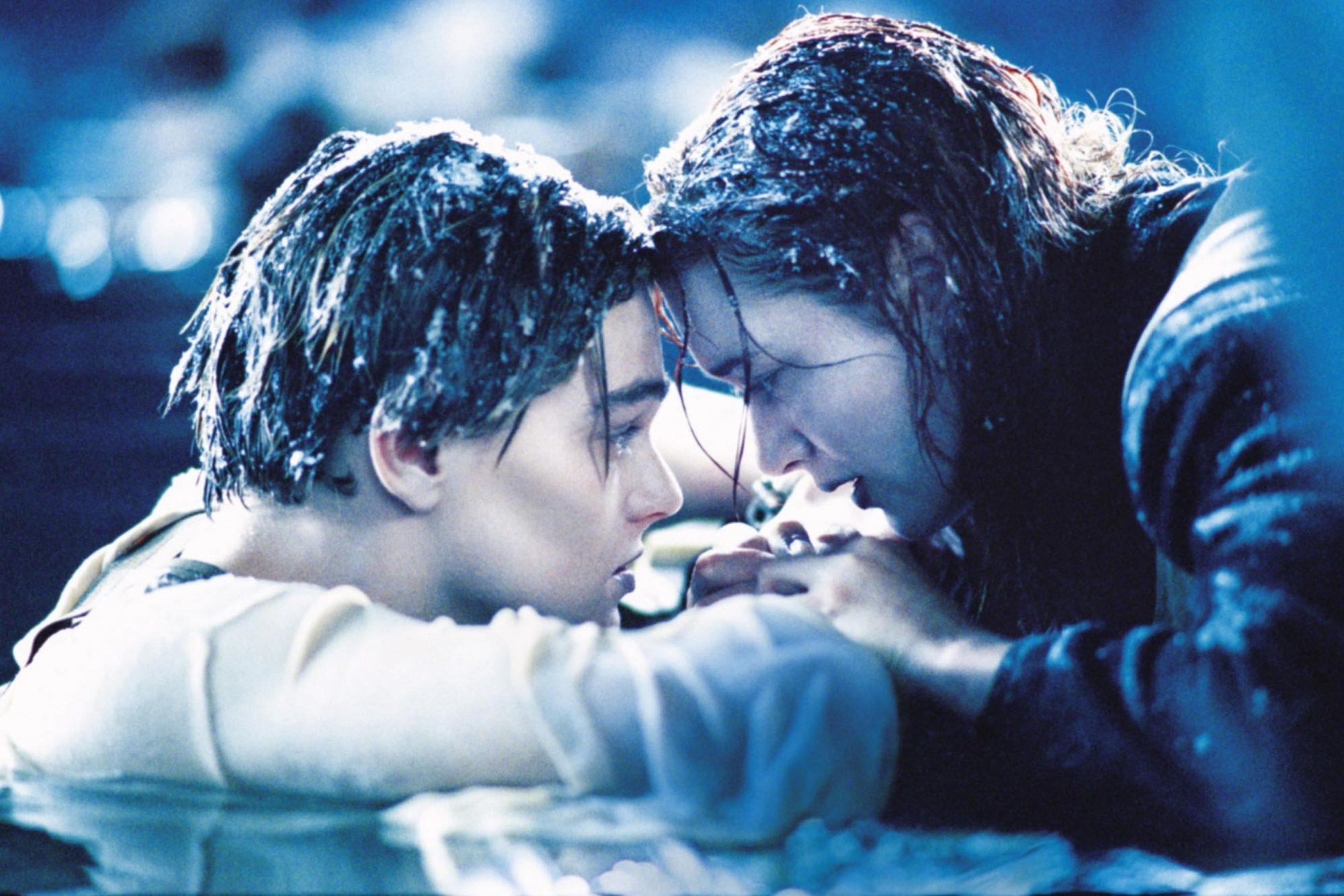 never-let-go-jack-titanic.jpg