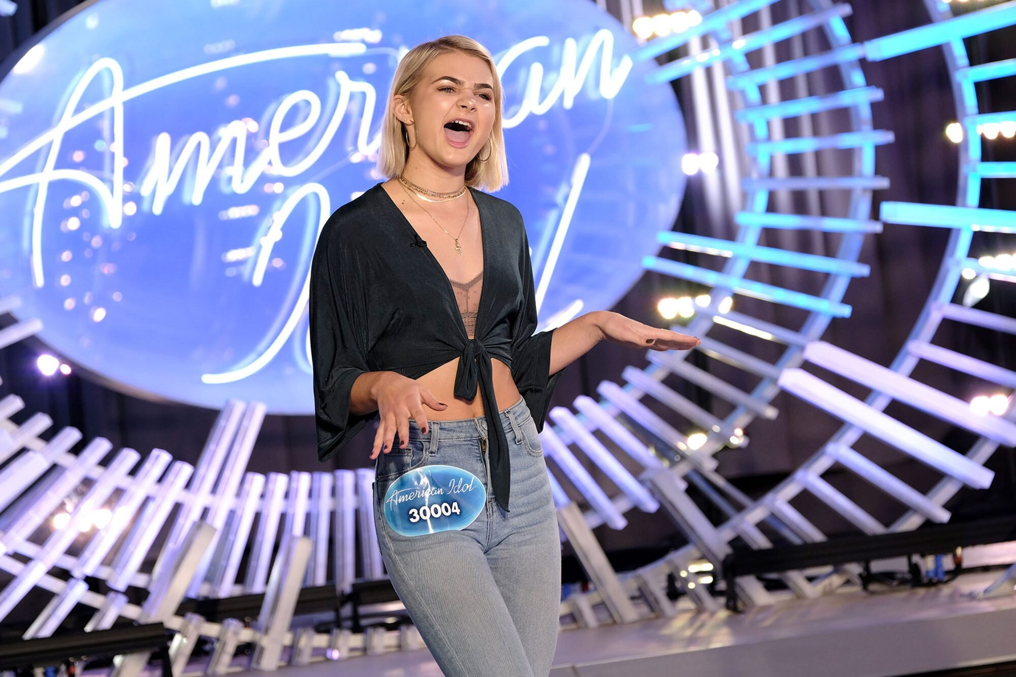 American Idol Premiere Recap Season 16 Episode 1 Ew Com