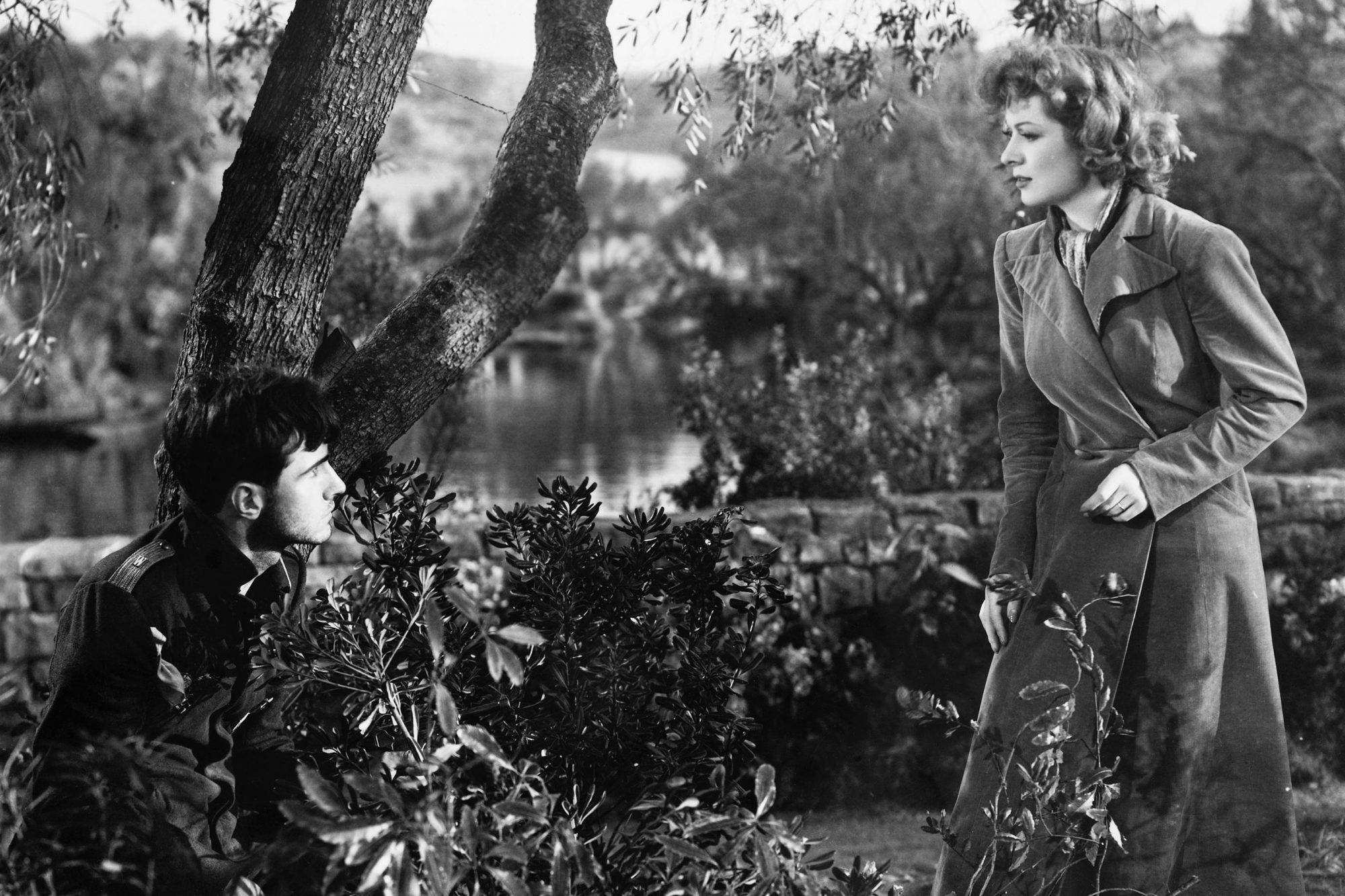Greer Garson and Helmut Dantine in Mrs. Miniver
