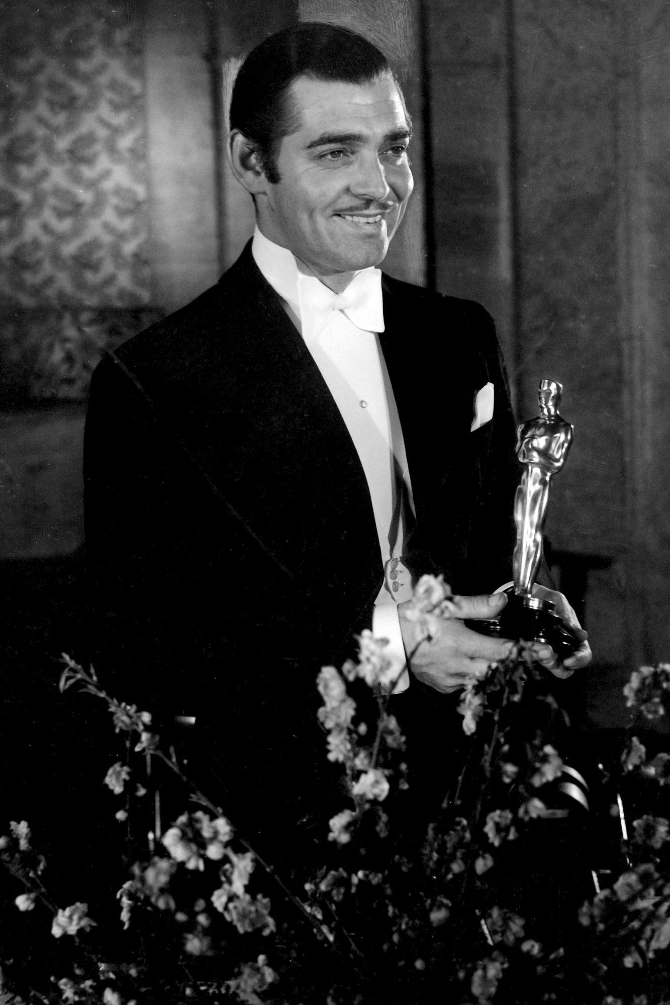 Clark Gable with Oscar