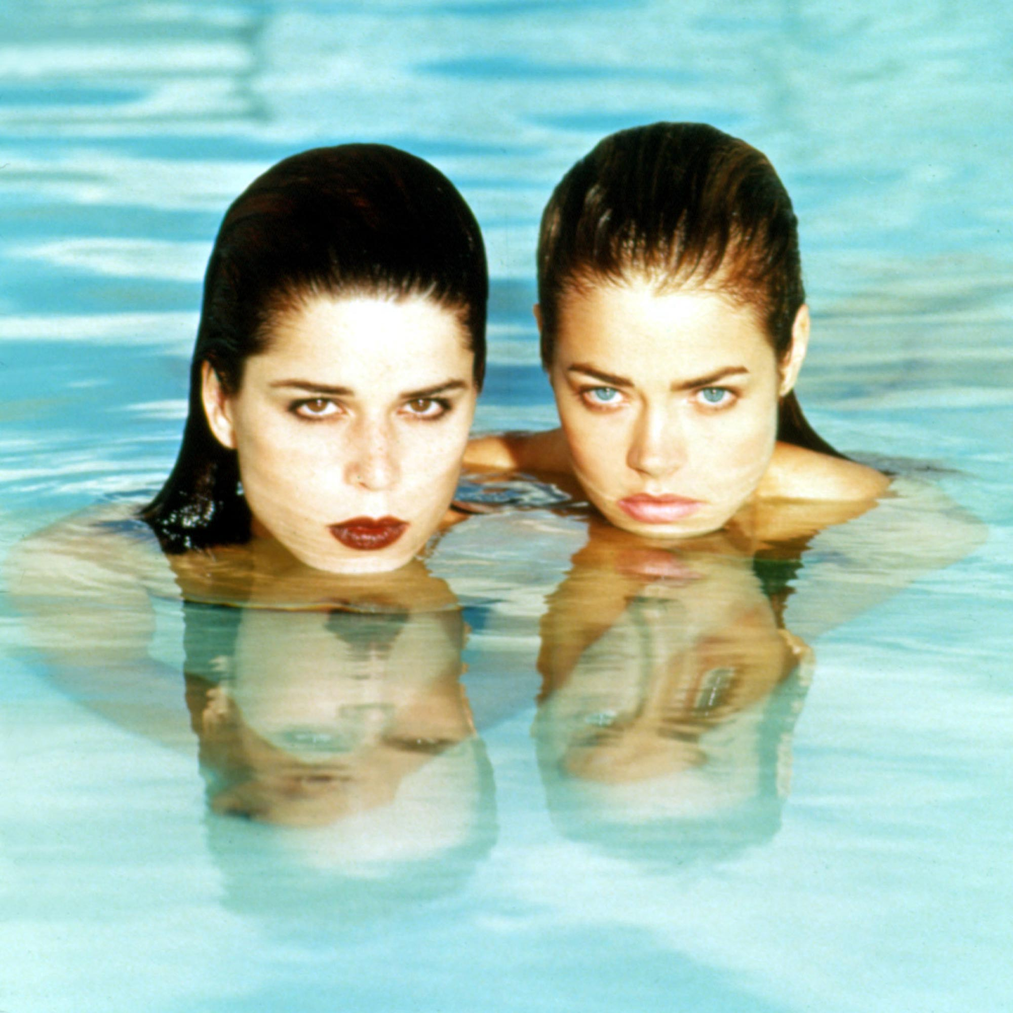 WILD THINGS, Neve Campbell, Denise Richards, 1998
