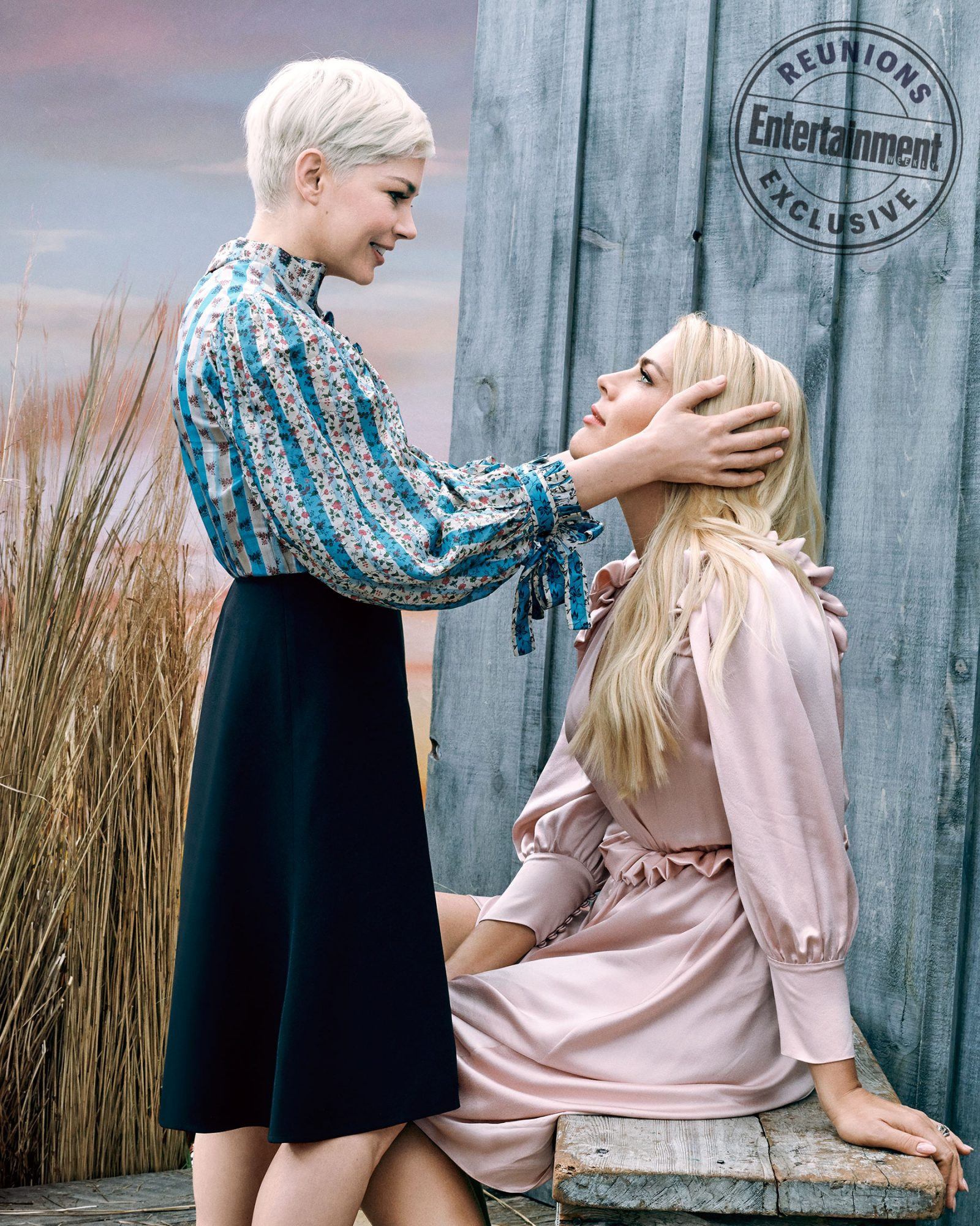 Michelle Williams (Jen Lindley) and Busy Philipps (Audrey Liddell)