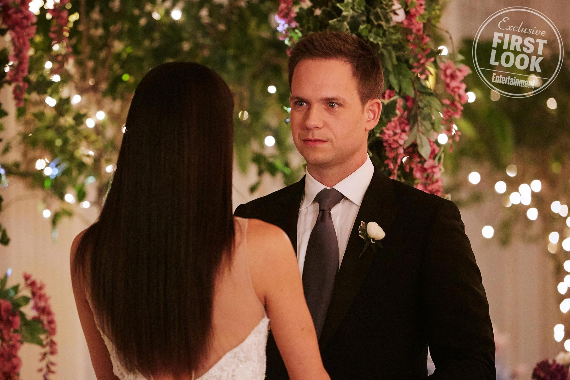 Mike (Patrick J. Adams) and Rachel (Meghan Markle)