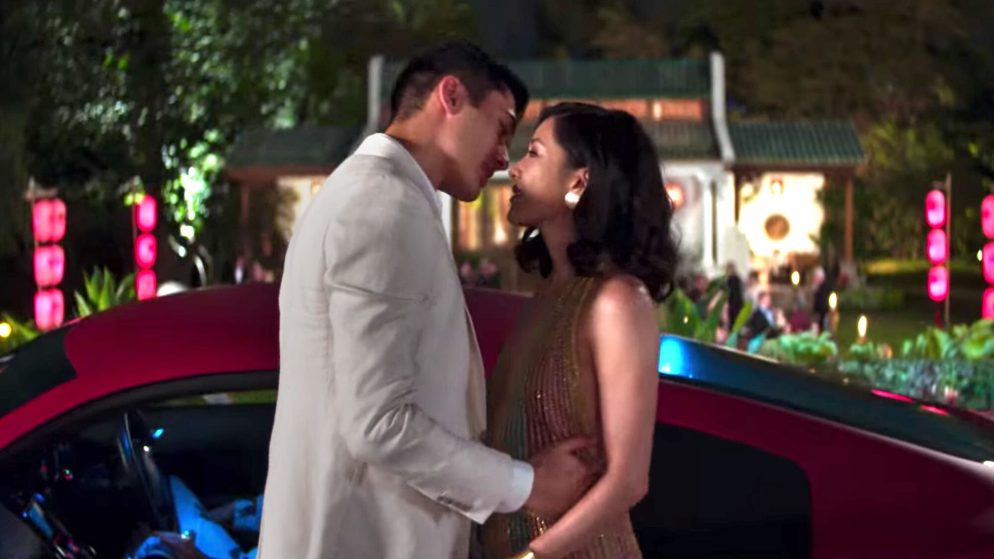 Crazy Rich Asians trailer: Which scenes made it from page to screen? |  EW.com