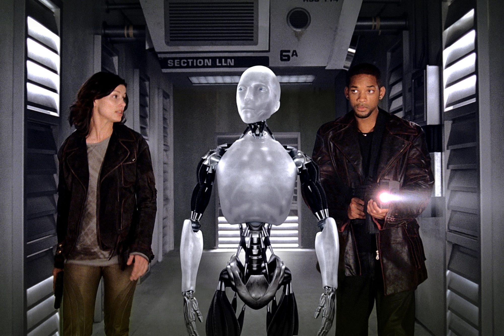 I, ROBOT, Bridget Moynahan, Sonny the Robot, Will Smith, 2004, TM & Copyright (c) 20th Century Fox F