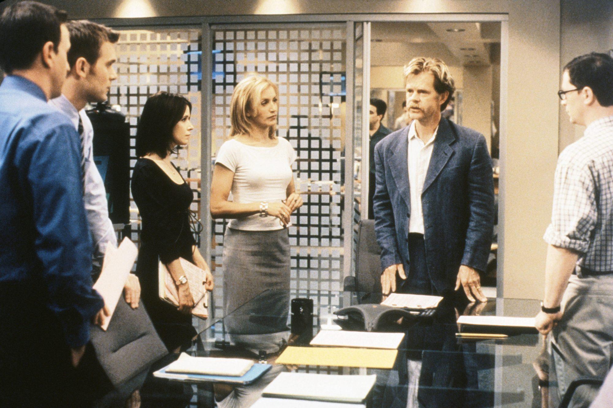 SPORTS NIGHT, (from left): Josh Charles, Peter Krause, Sabrina Lloyd, Felicity Huffman, William H. M
