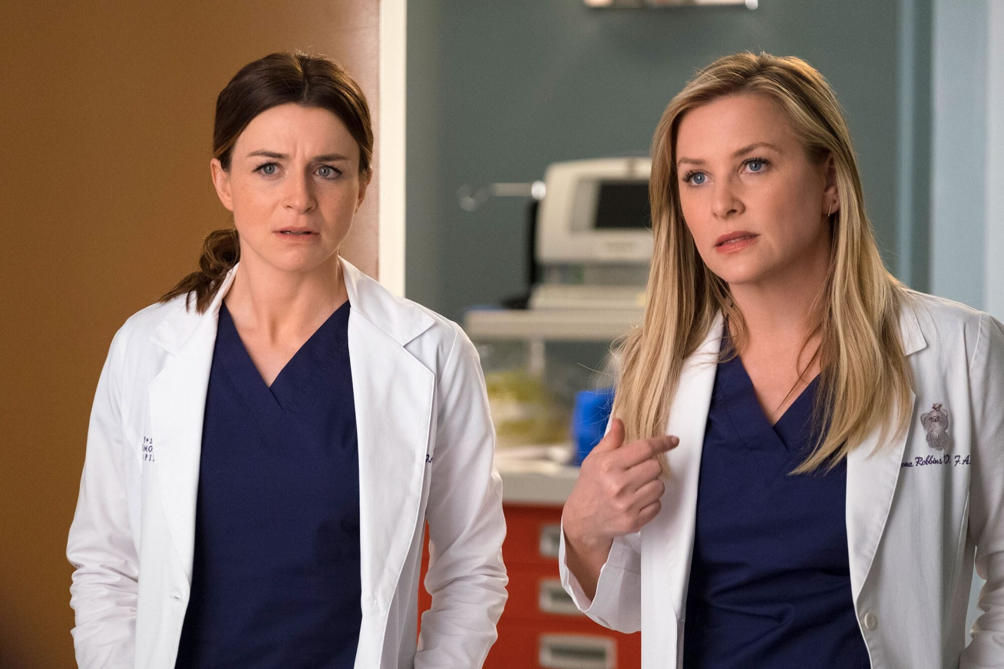 Grey S Anatomy Recap Season 14 Episode 23 Ew Com