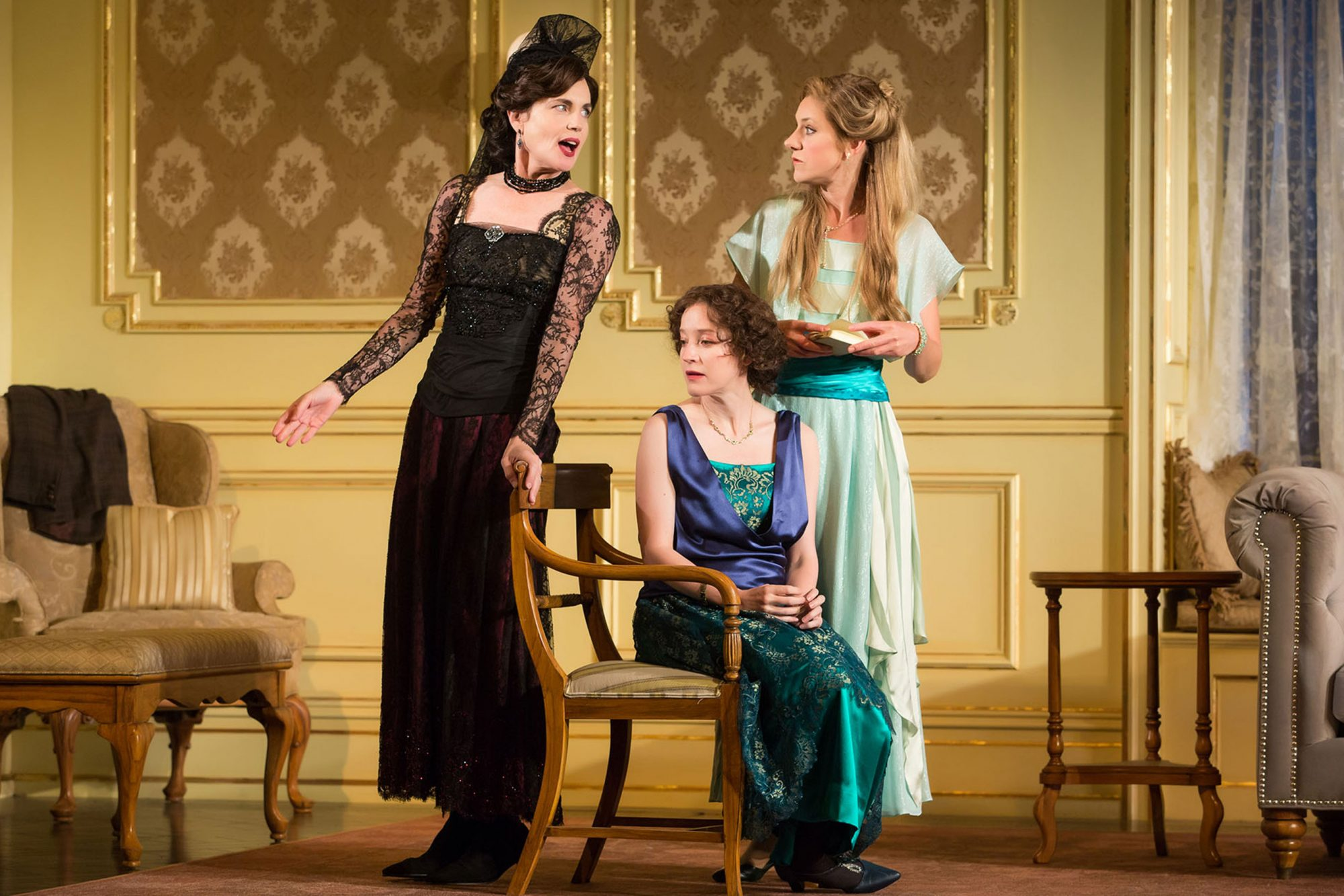 2. 2261_Elizabeth McGovern, Brooke Bloom and Charlotte Parry in TIME AND THE CONWAYS, Photo by Jeremy Daniel 2017