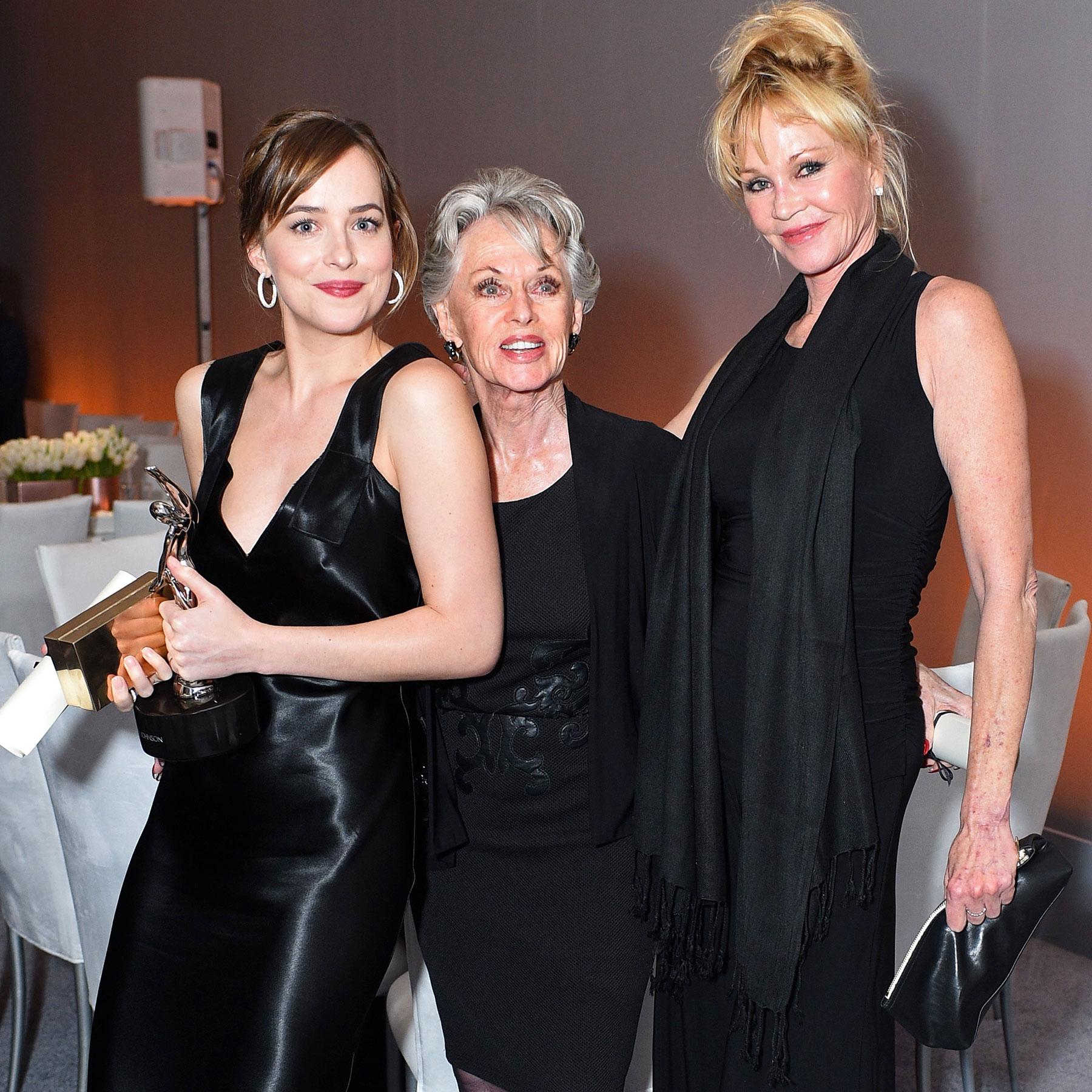 22nd Annual ELLE Women In Hollywood Awards - Roaming Inside