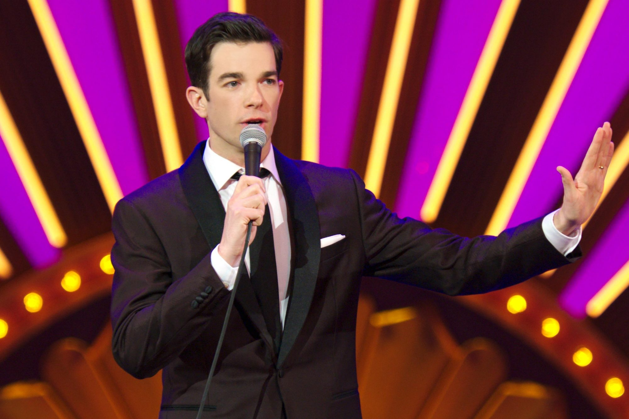 john_mulaney_kid_gorgeous_3840x2160_000000_R