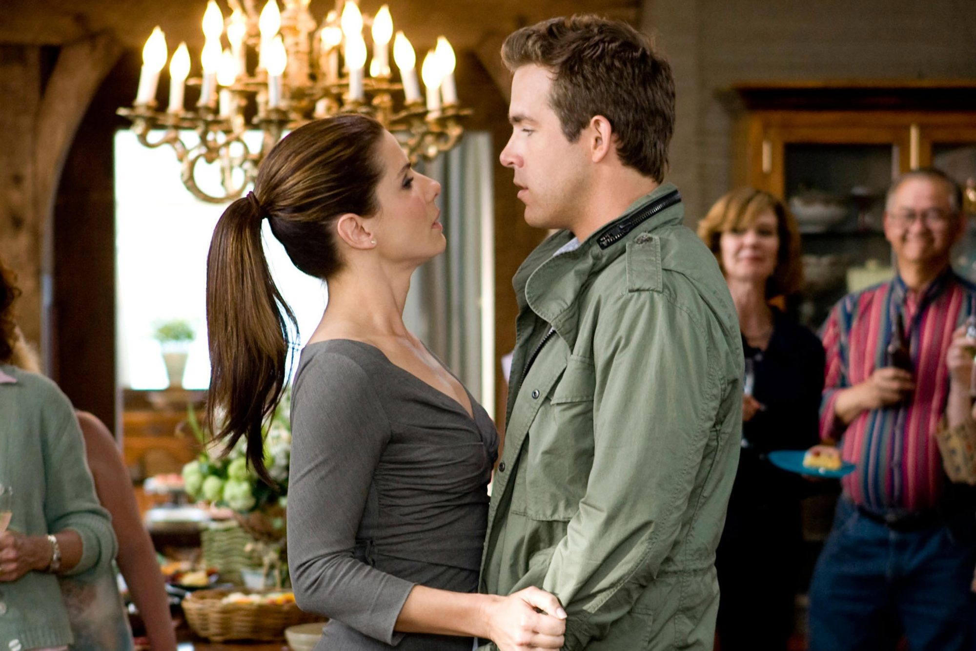 THE PROPOSAL, from left: Sandra Bullock, Ryan Reynolds, 2009. Ph: Sam Emerson/©Walt Disney Studios M