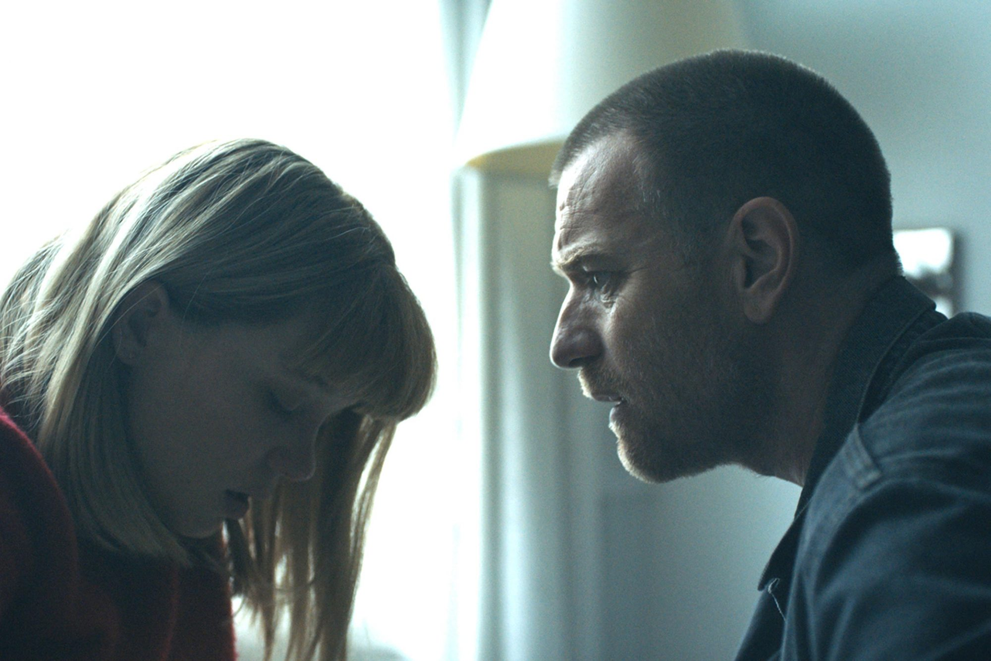 Zoe (2018)Ewan McGregor and Léa Seydoux CR: Global Road