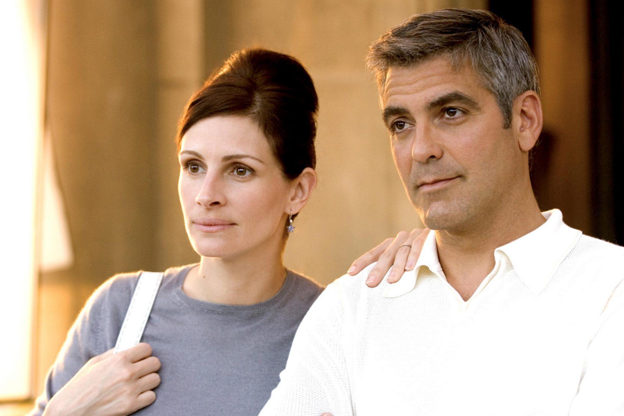 OCEAN'S TWELVE, Julia Roberts, George Clooney, 2004, (c) Warner Brothers/courtesy Everett Collection