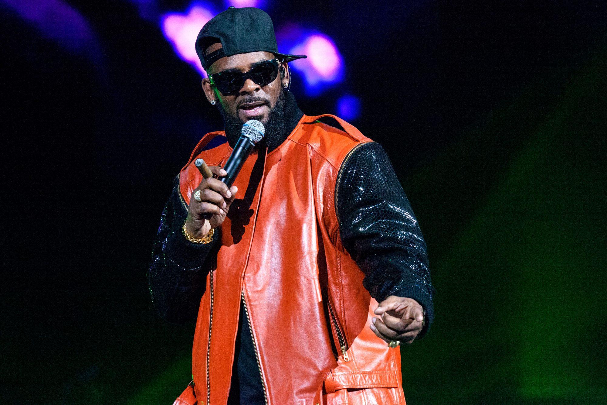 R Kelly In Concert - Brooklyn, New York