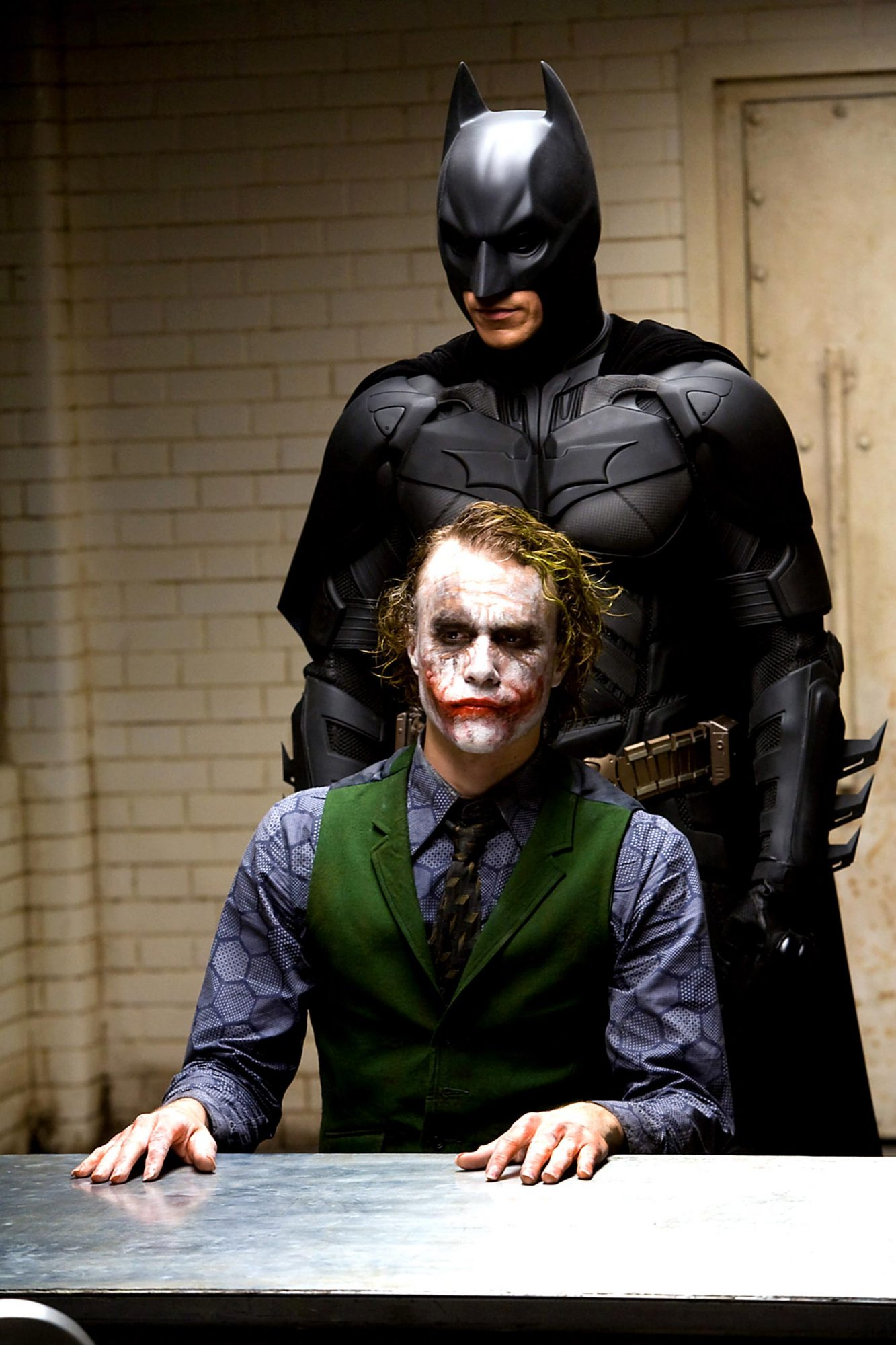 THE DARK KNIGHT, Heath Ledger, Christian Bale, 2008. ©Warner Bros./Courtesy Everett Collection