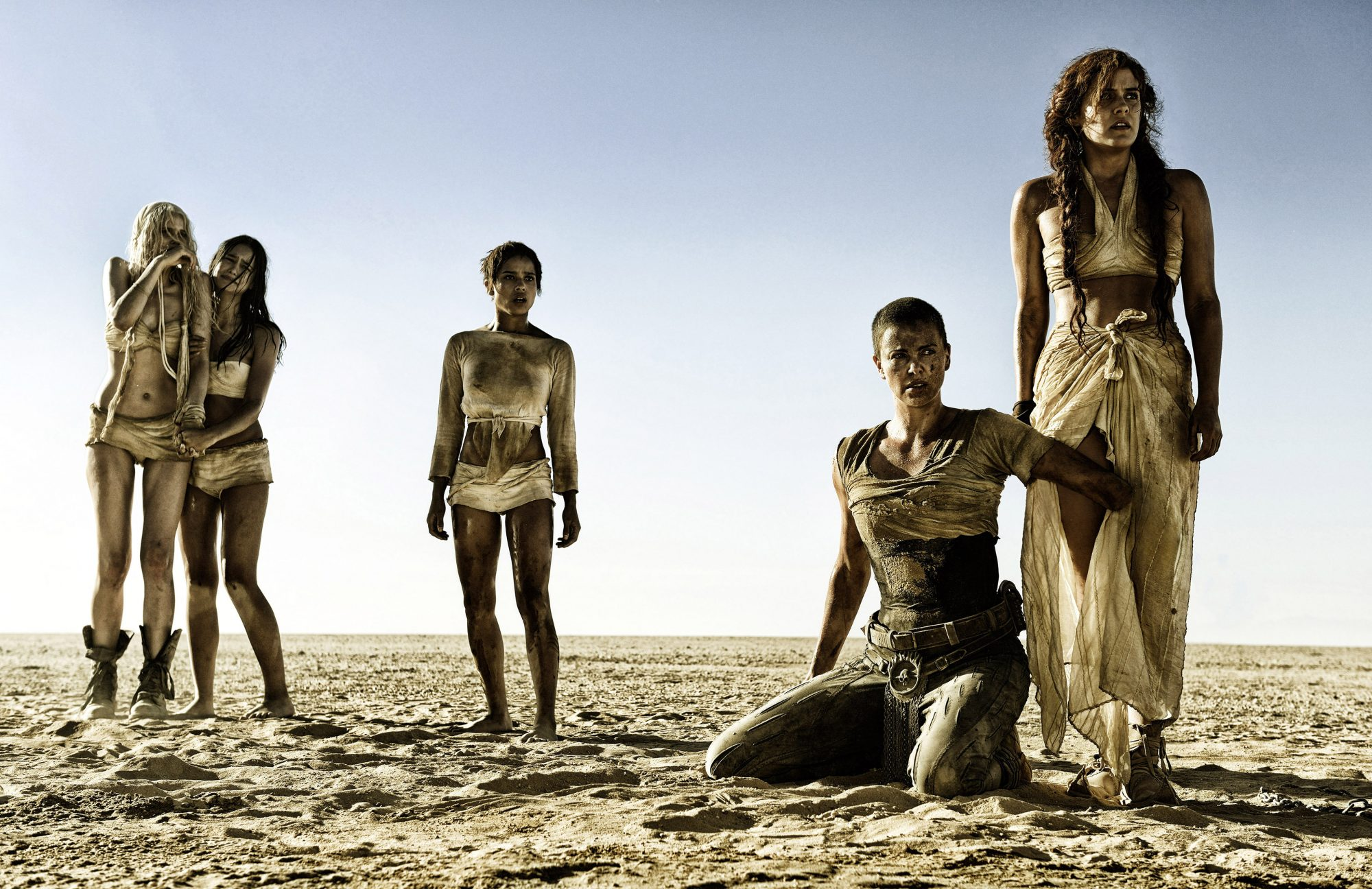 MAD MAX: FURY ROAD, from left: Abbey Lee, Courtney Eaton, Zoe Kravitz, Charlize Theron, Riley