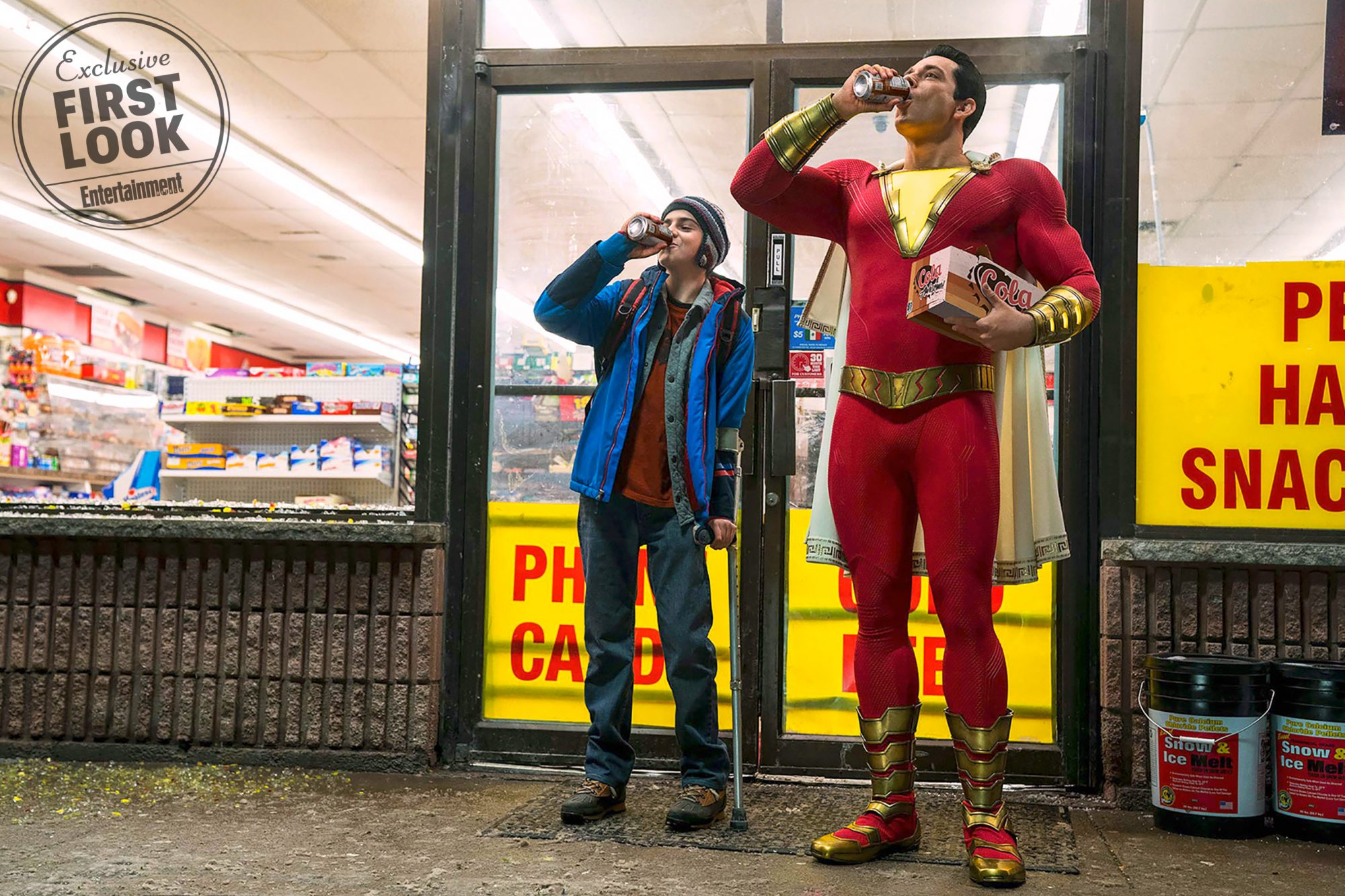 SHAZAM!(L-r) JACK DYLAN GRAZER as Freddy Freeman and ZACHARY LEVI as Shazam