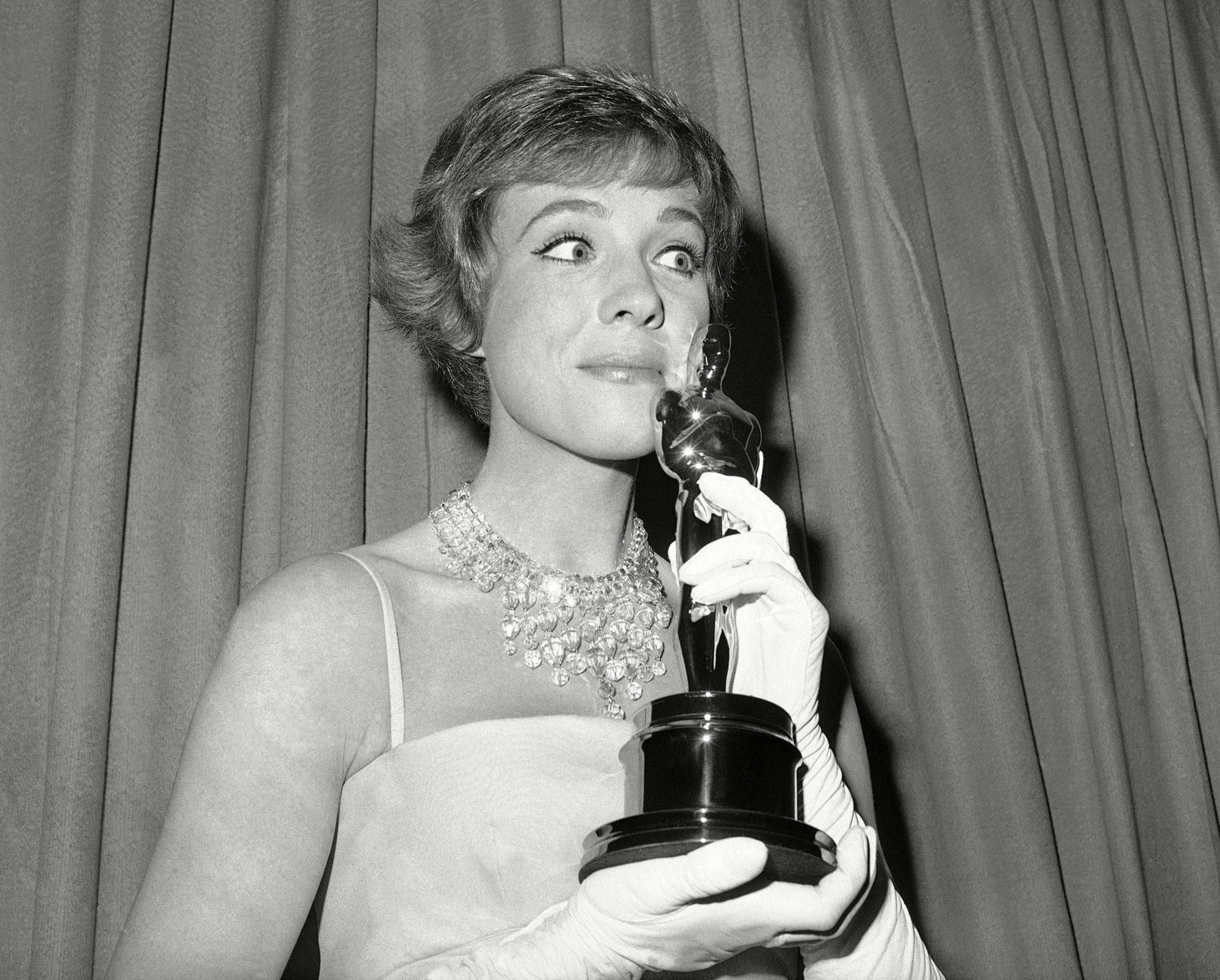 Oscars Julie Andrews 1965, Santa Monica, USA