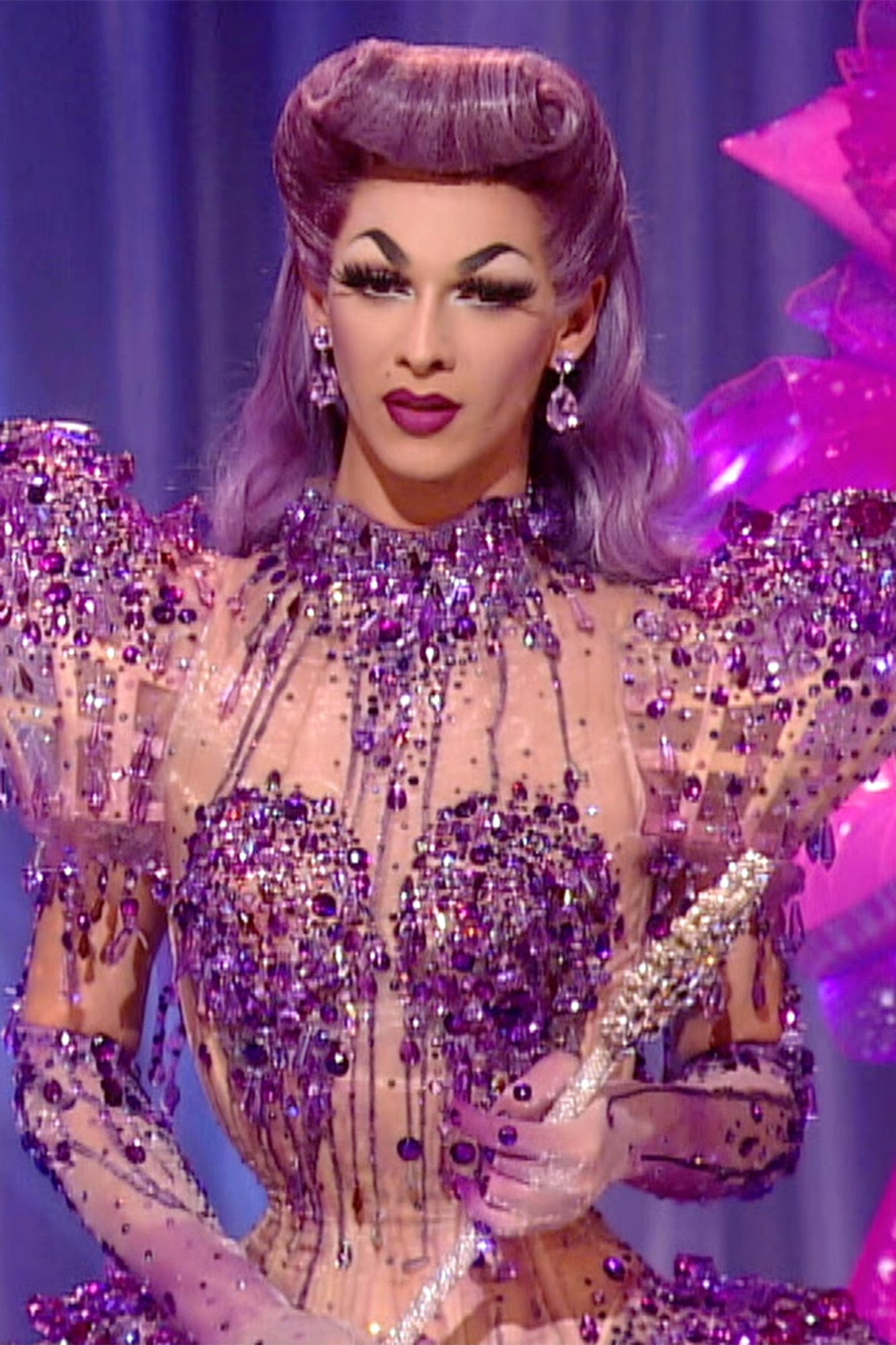 Violet-Chachki---season-7-part-2_v1_current