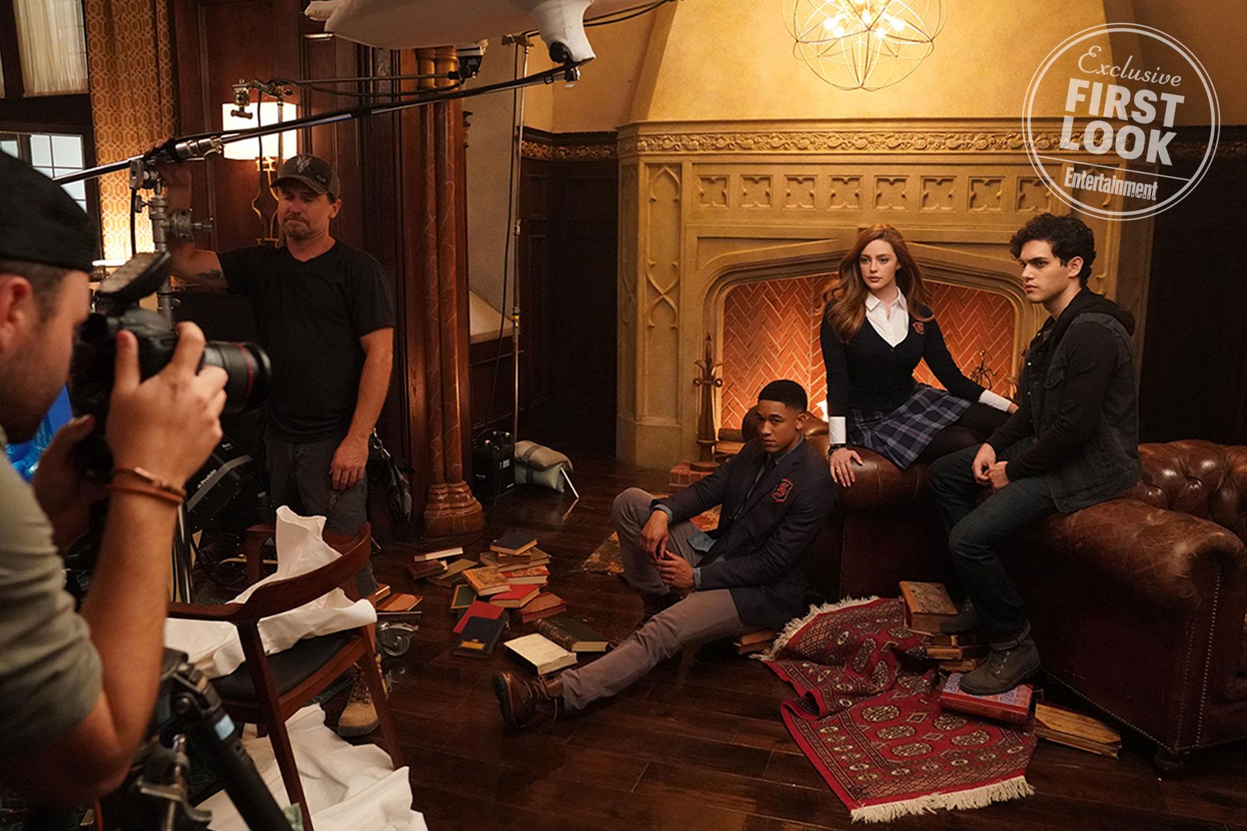 Rafael (Peyton Alex Smith), Hope Mikaelson (Danielle Rose Russell), Landon Kirby (Aria Shahghasemi)