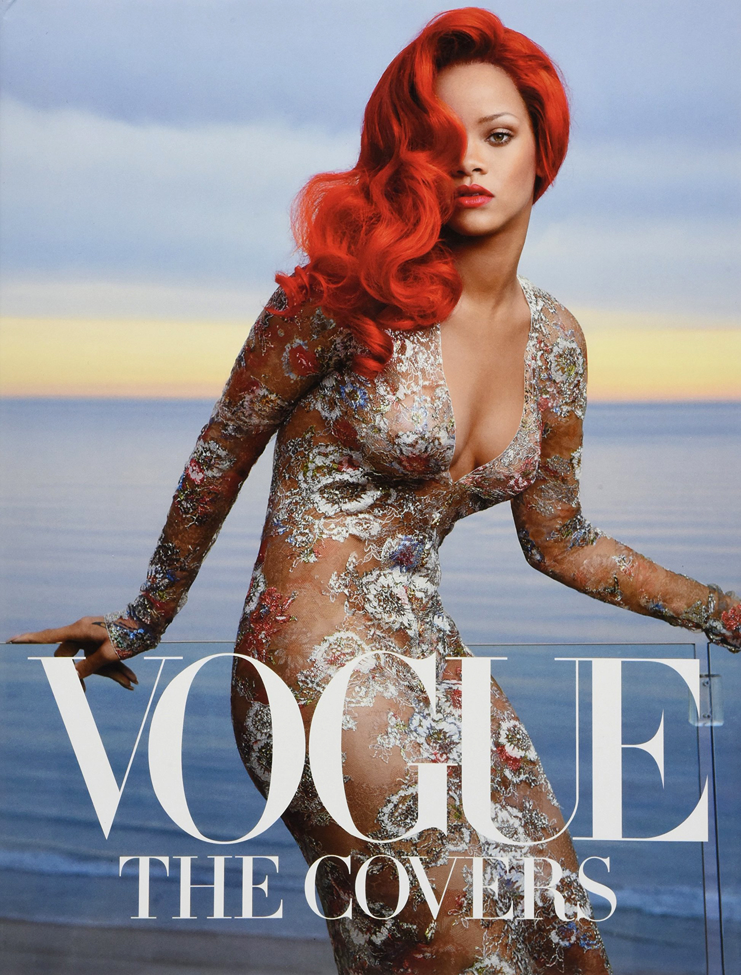 Vogue: The Covers (updated edition) Hardcover – 5 Sep 2017by Dodie Kazanjian