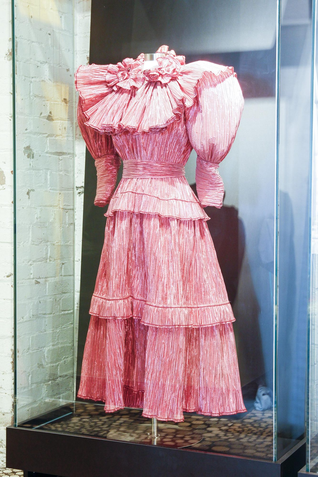 Phyllis Diller's gown from 1987