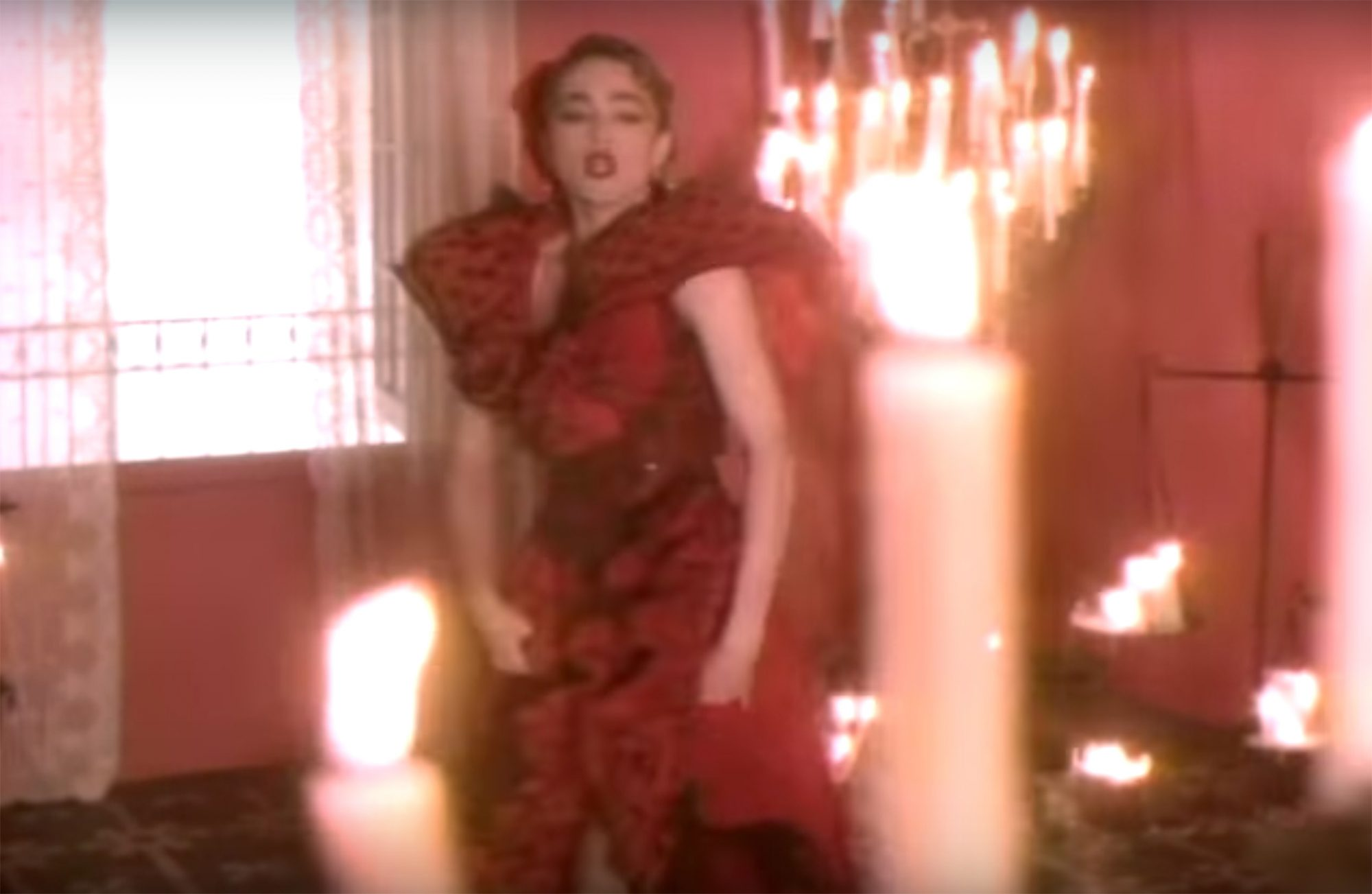 "1986: The ""La Isla Bonita"" music video"