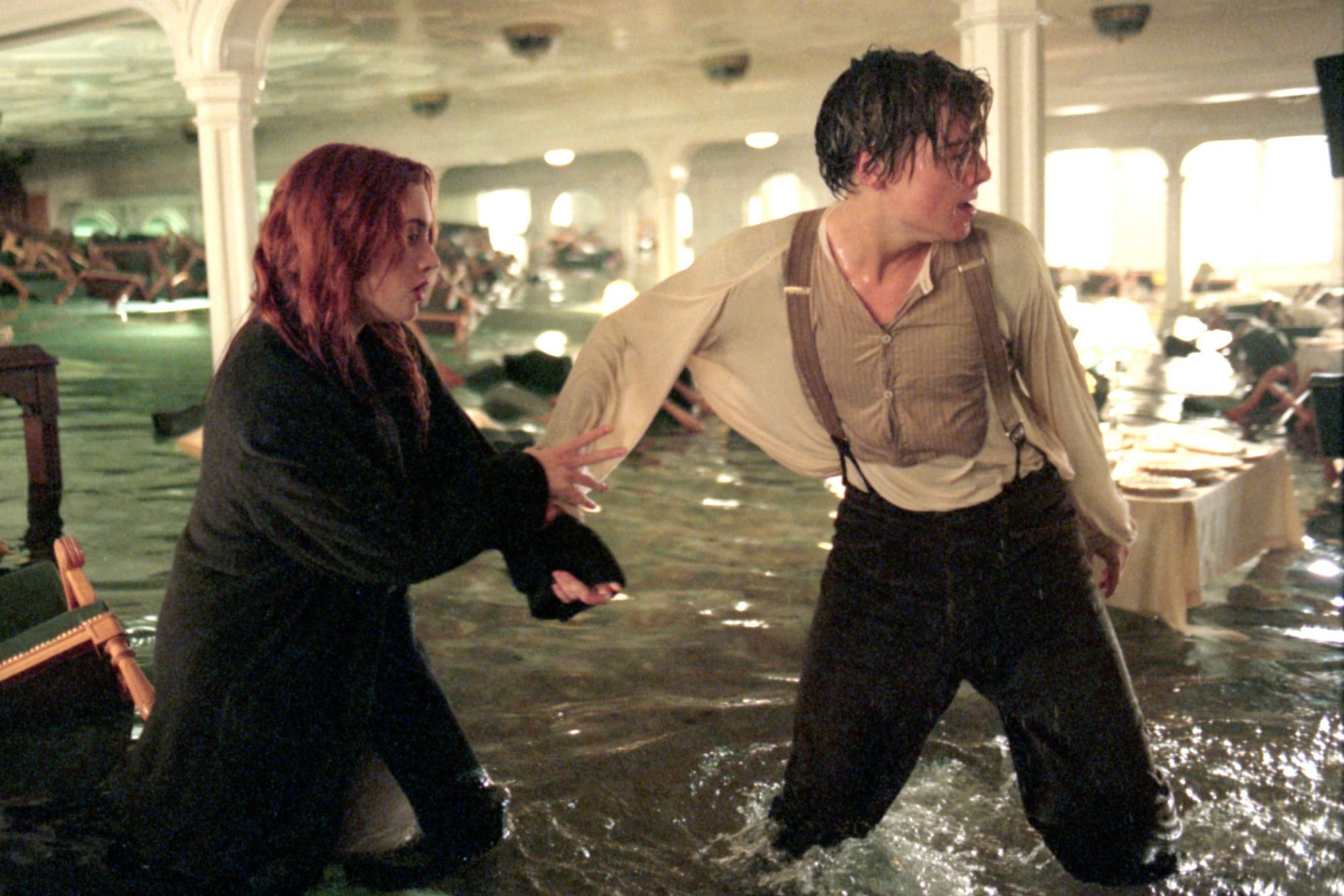 TITANIC, from left: Kate Winslet, Leonardo DiCaprio, 1997. ph: Merie Weismiller Wallace/TM & Copyrig