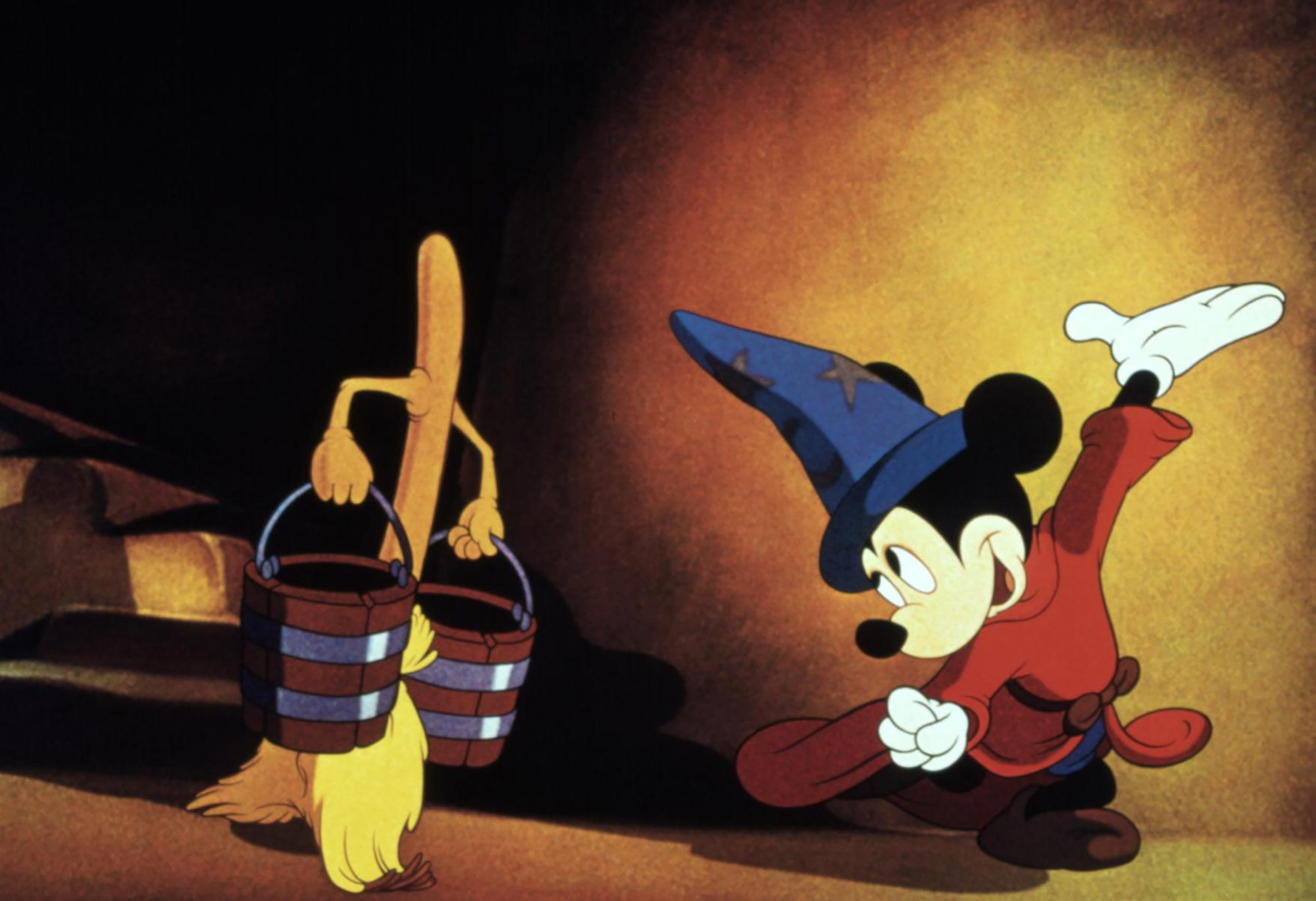 FANTASIA, Mickey Mouse as the Sorcerer's Apprentice, 1940. © Walt Disney / Courtesy: Everett Collect