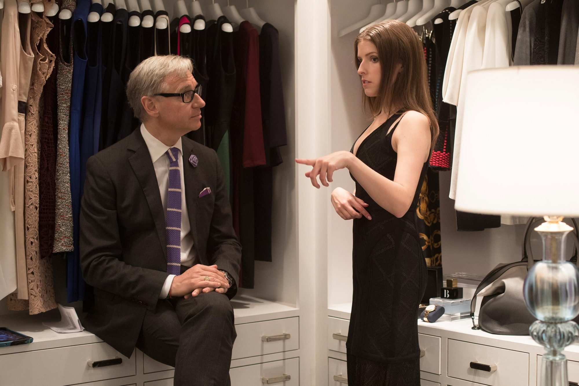 A Simple FavorDirector Paul Feig and Anna Kendrick on set