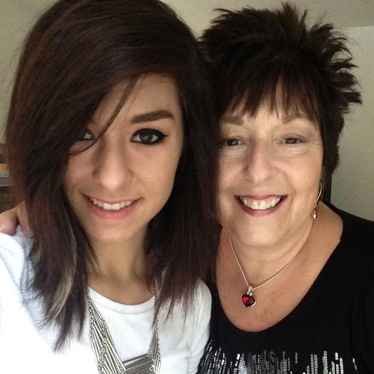 christina-grimmie-mom