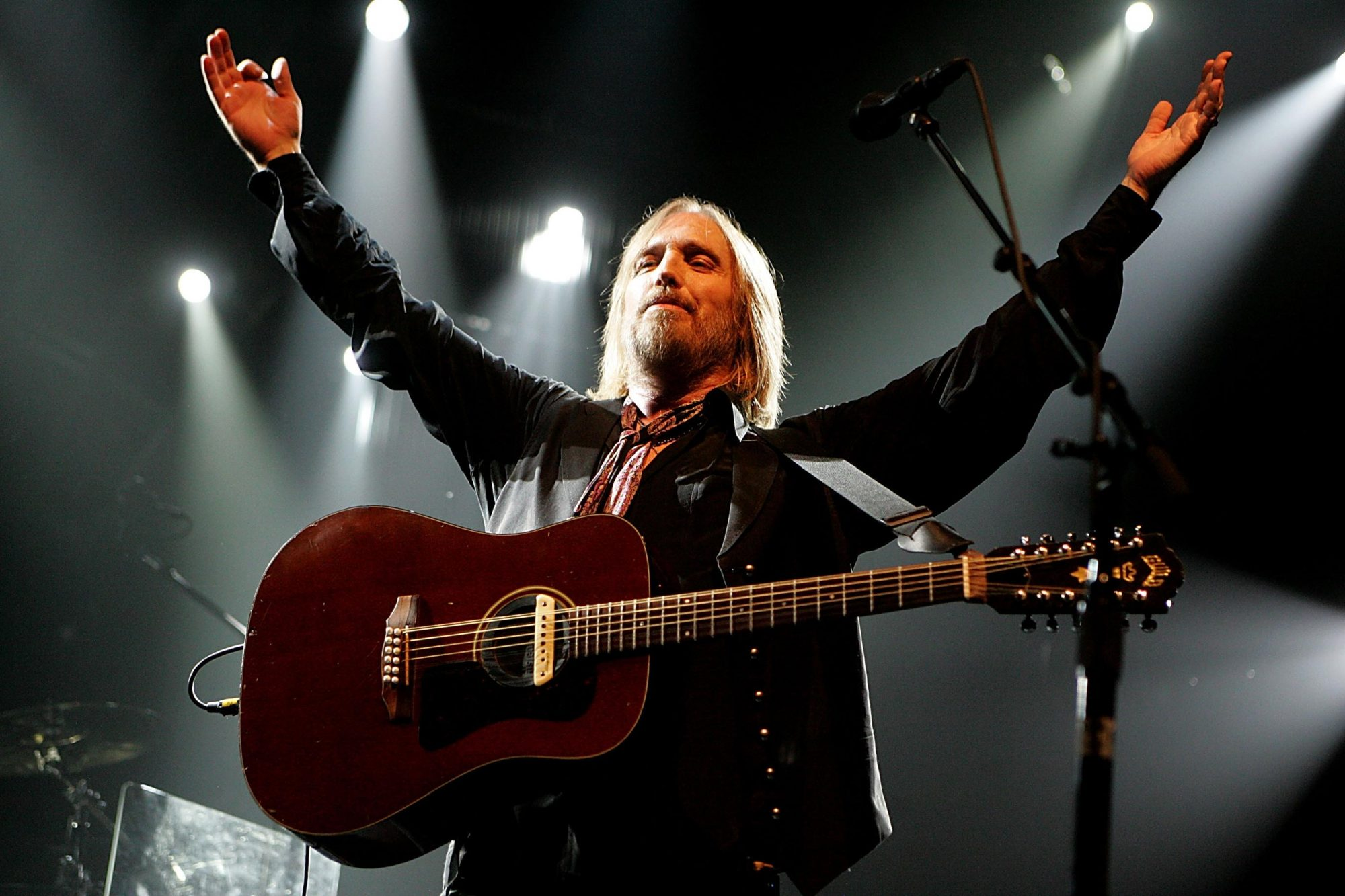 Tom Petty & The Heartbreakers And Steve Winwood In Concert At The Verizon Wireless Amphitheater - August 26, 2008
