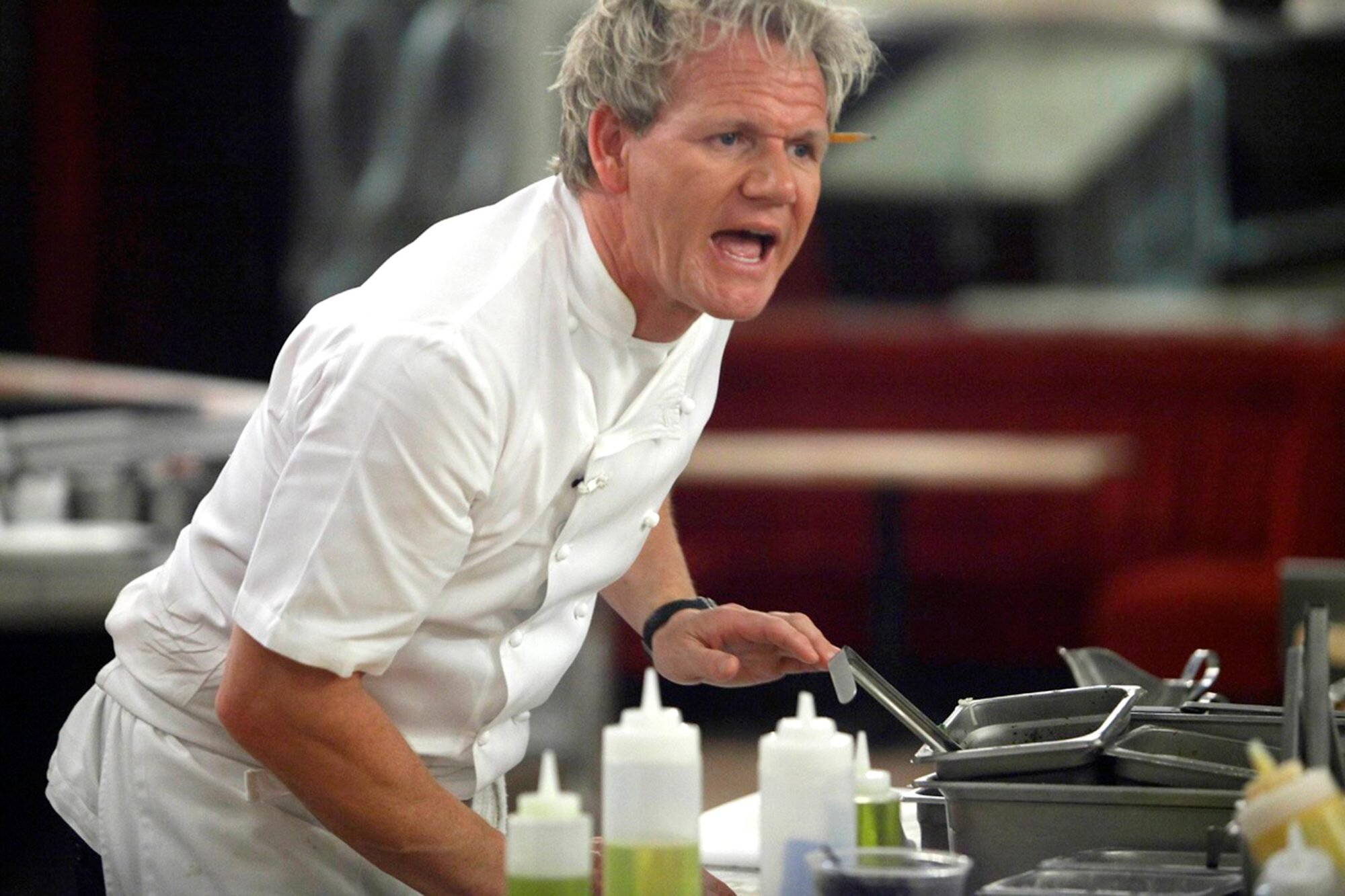 Gordon Ramsay reveals his favorite Hell's Kitchen insults | EW.com