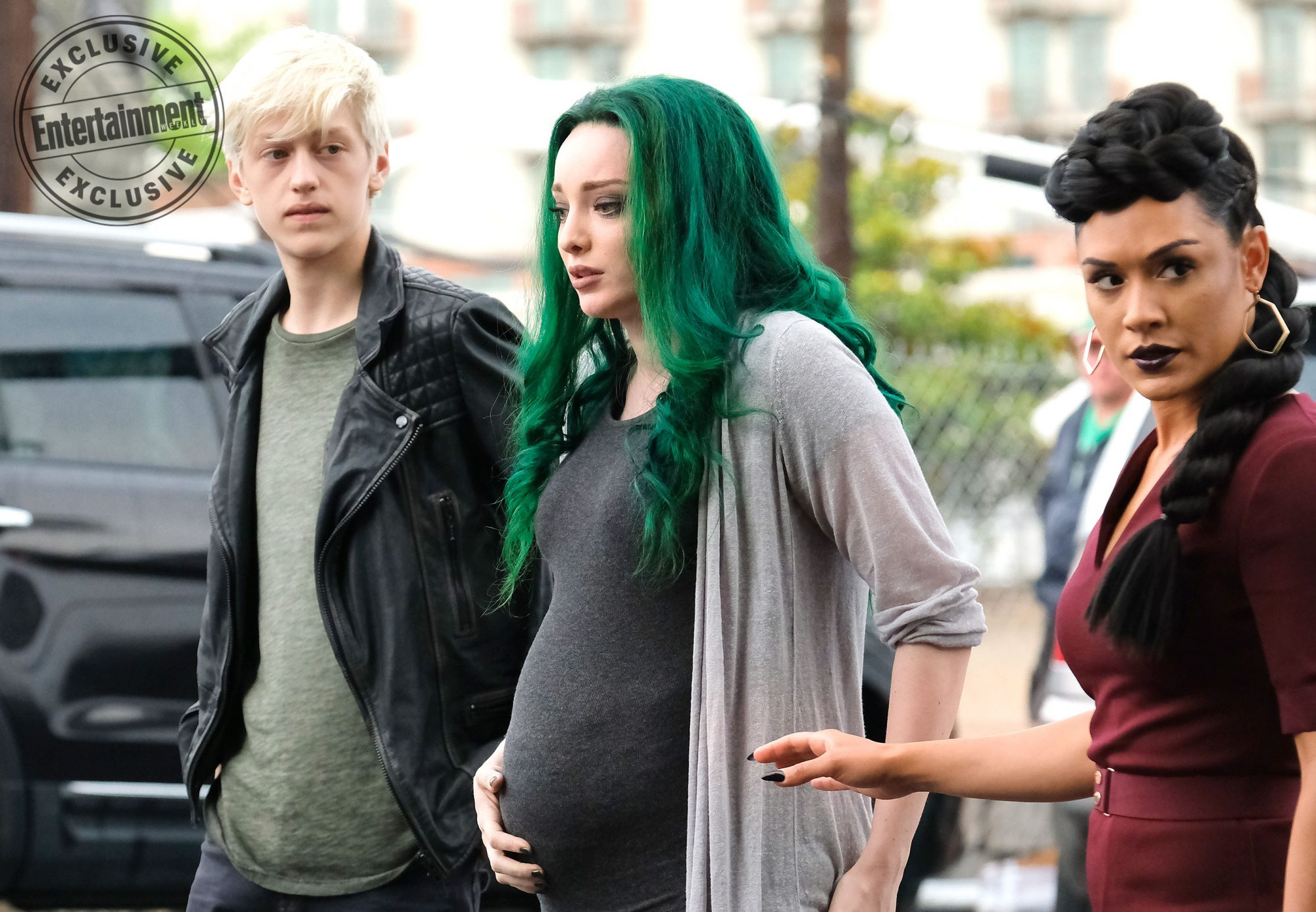 """THE GIFTED""""eMergence""""L-R:  Percy Hynes White, Emma Dumont and Grace Byers"""