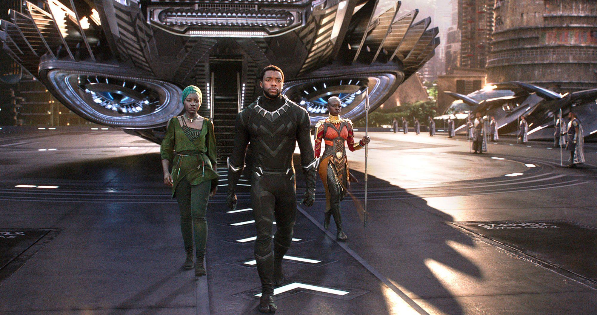Marvel Studios' BLACK PANTHER..L to R: Nakia (Lupita Nyong'o), T'Challa/Black Panther (Chadwick Boseman) and Okoye (Danai Gurira)..Ph: Film Frame..u00A9Marvel Studios 2018