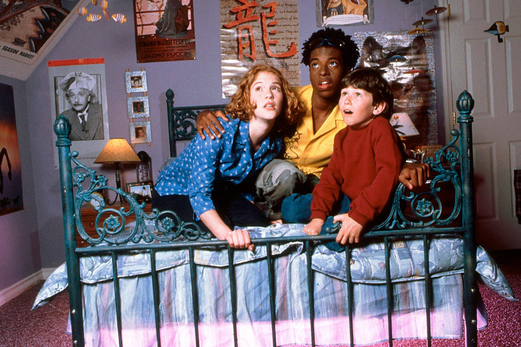 DON'T LOOK UNDER THE BED, from left: Erin Chambers, Ty Hodges, Jake Sakson, 1999, © Buena