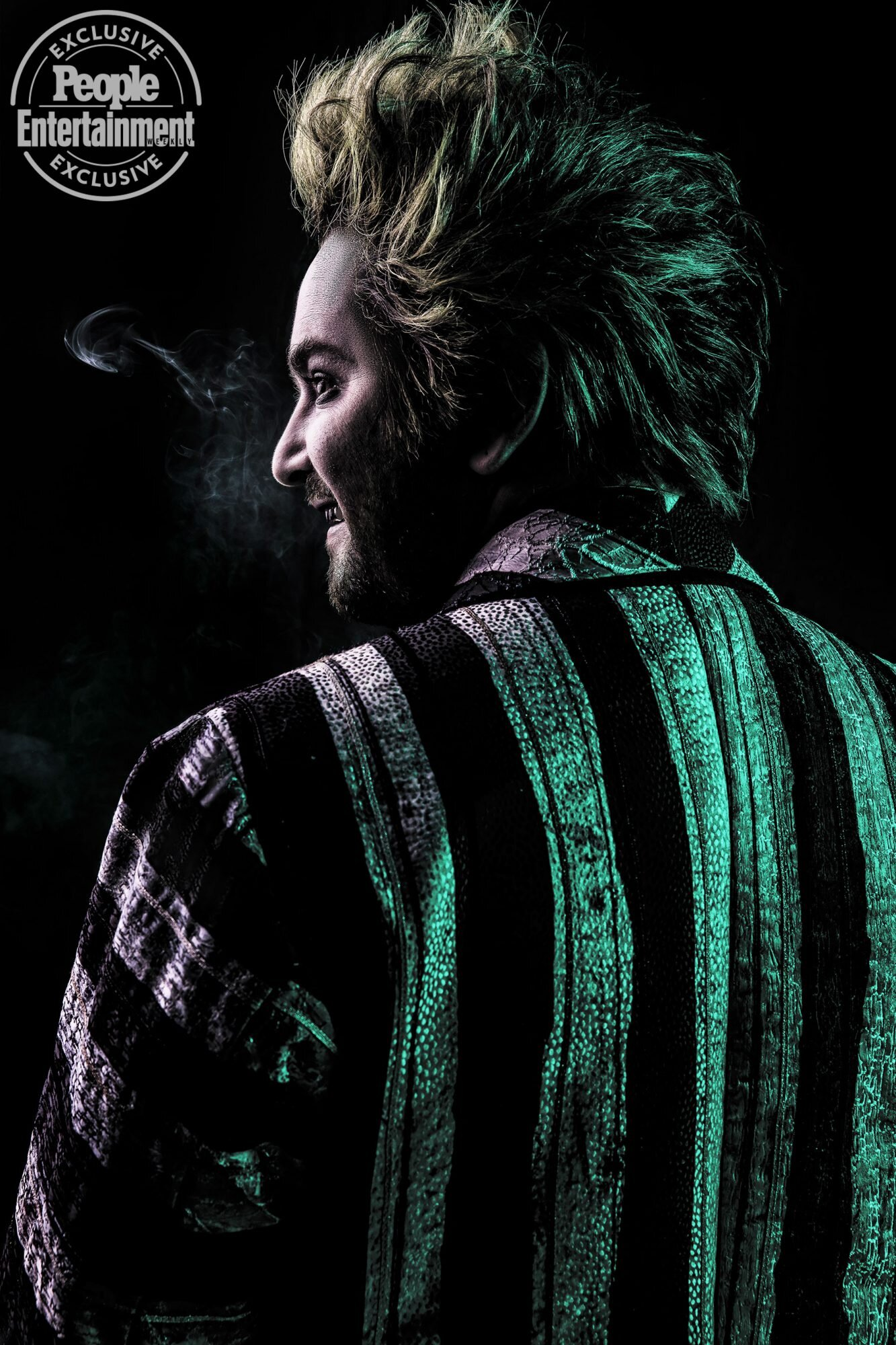 Beetlejuice Musical First Look At Alex Brightman In Tim Burton Adaptation Ew Com