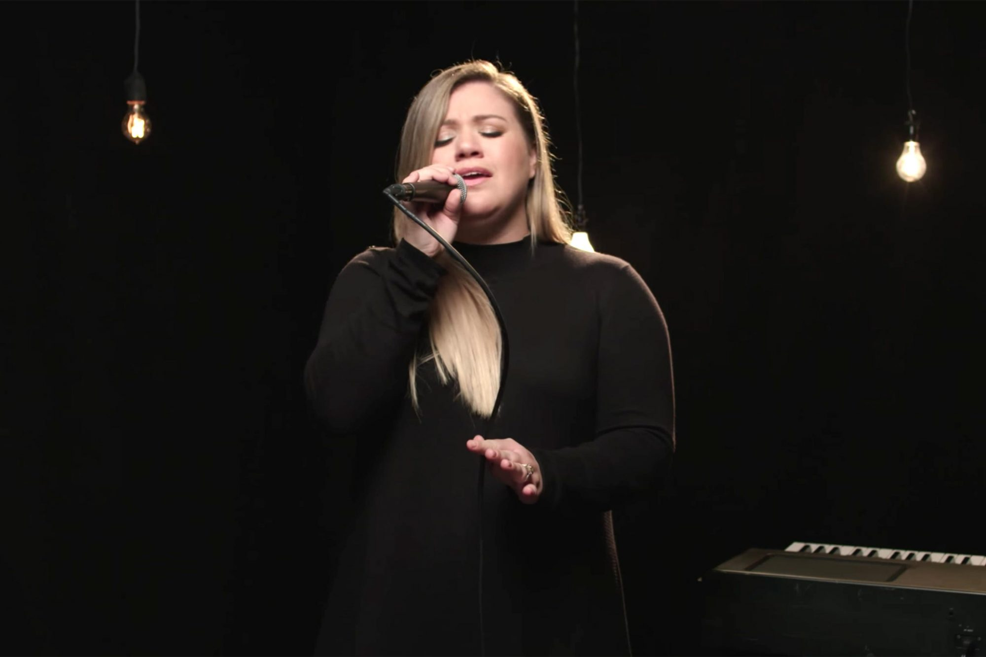 Kelly-Clarkson-It's-Quiet-Uptown-from-Hamilton