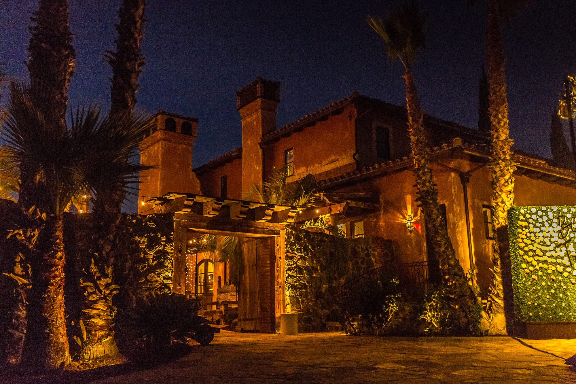 bachelor-mansion-3