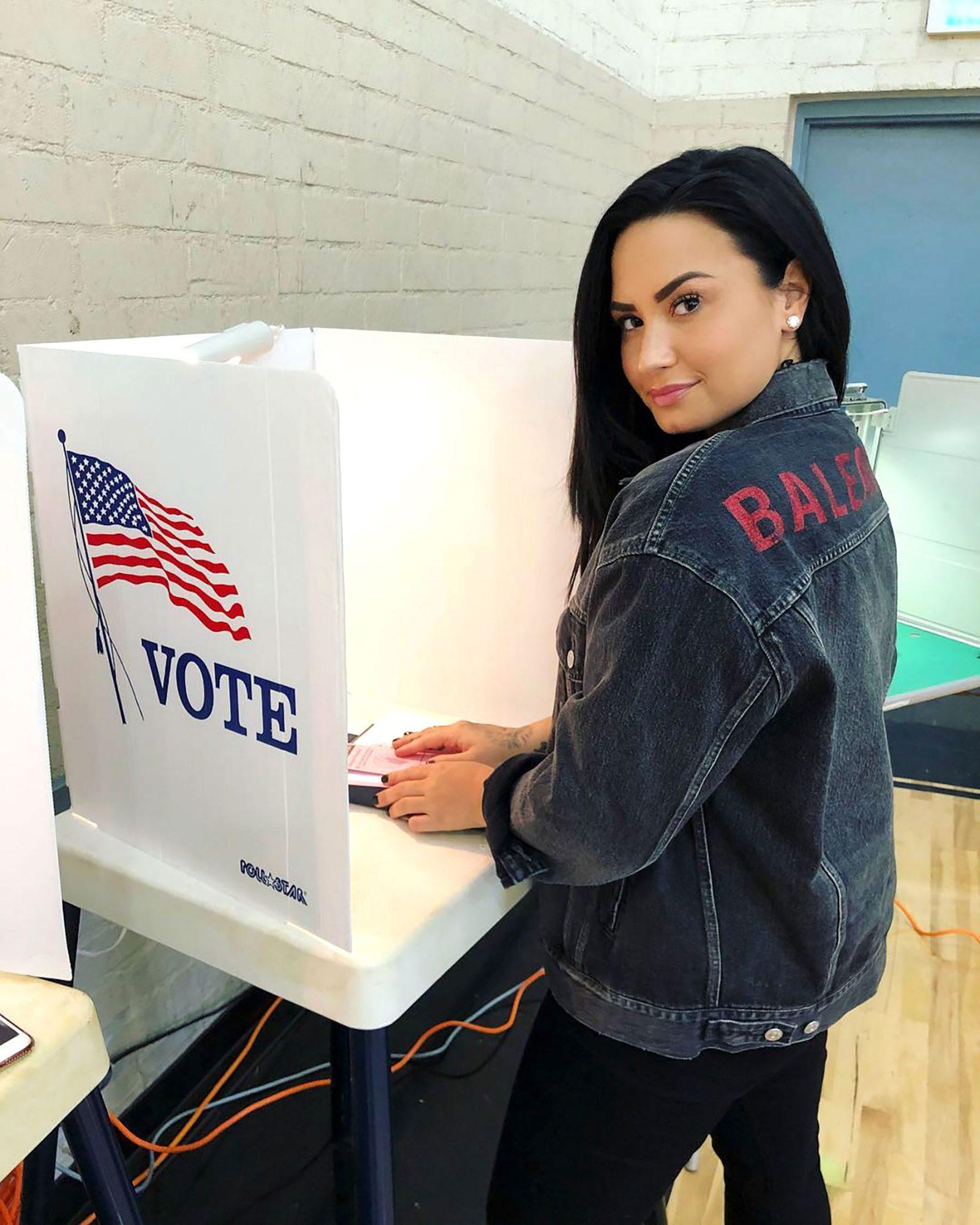 Demi Lovato: https://www.instagram.com/p/Bp2jlPwh53d/Demi Lovato/Instagram