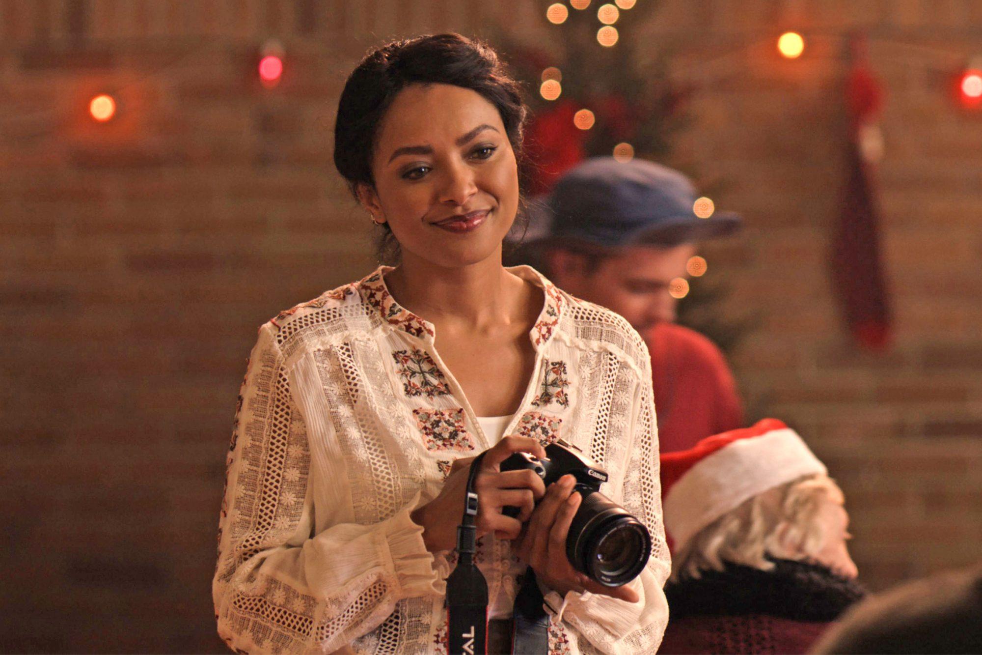 THE HOLIDAY CALENDAR (11/2)Cast: Kat GrahamCR: Netflix